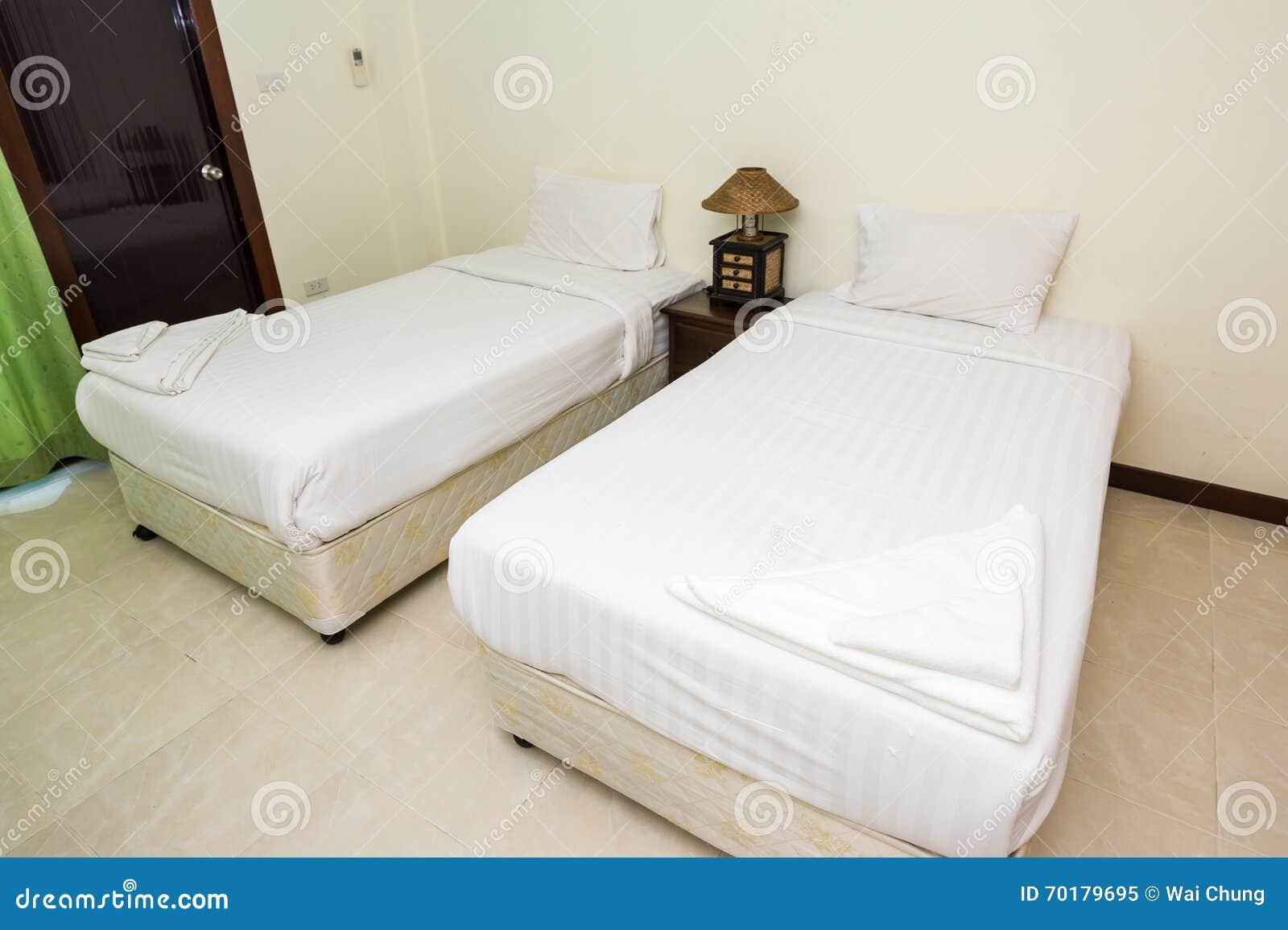 Enkelt hotellsovrum