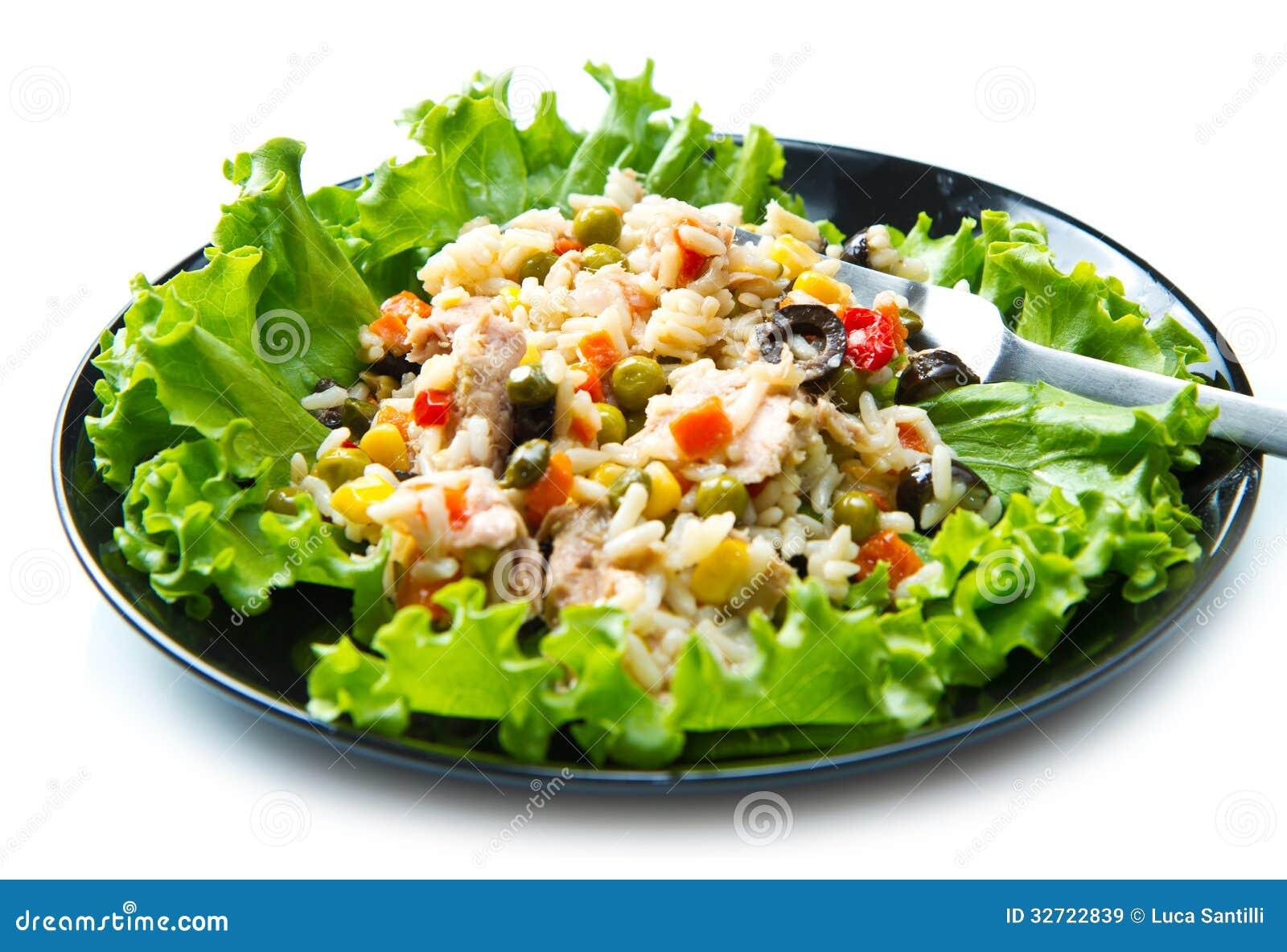 Ensalada de at n con arroz y verduras im genes de archivo - Ensalada de arroz y atun ...