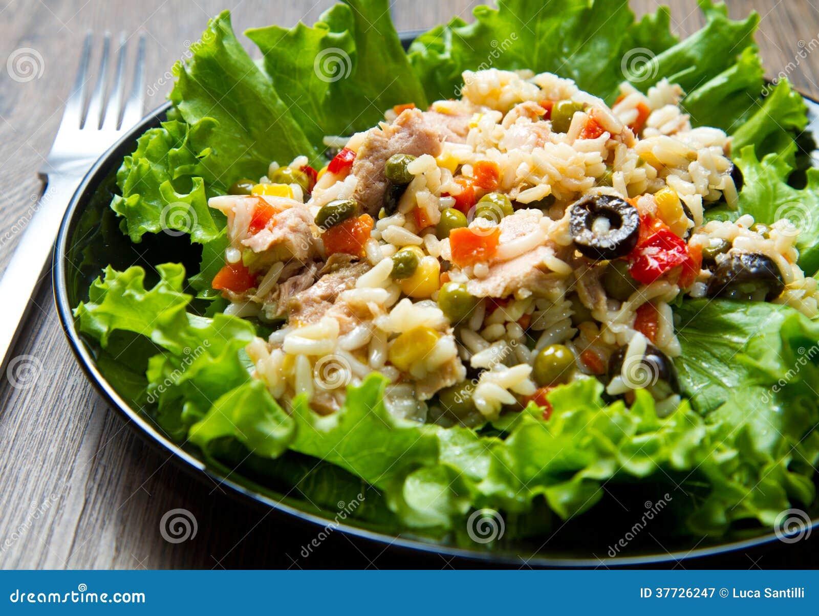 Ensalada de at n con arroz y verduras imagen de archivo - Ensalada de arroz y atun ...