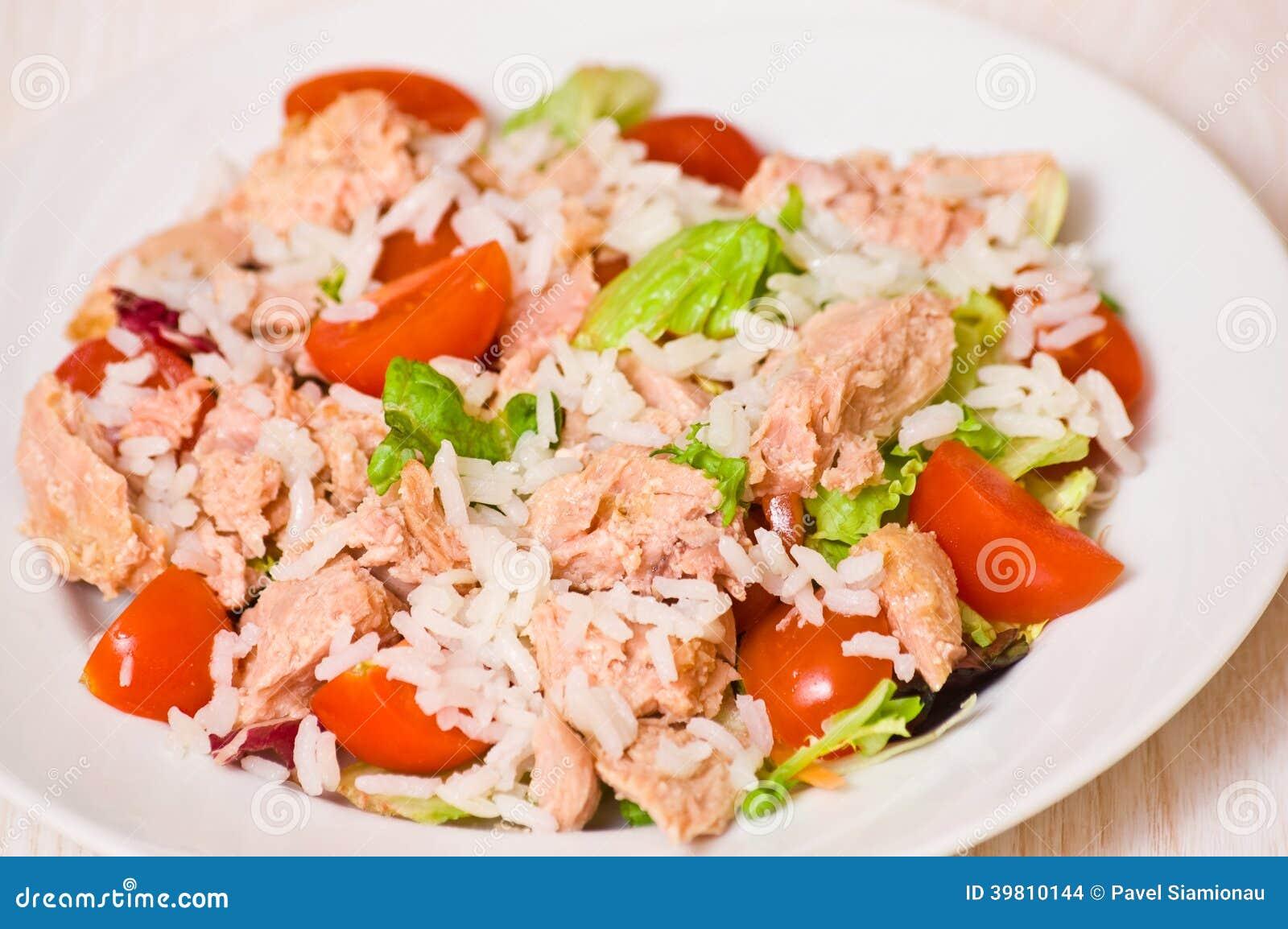 Ensalada de at n con arroz y verduras foto de archivo - Ensalada de arroz y atun ...