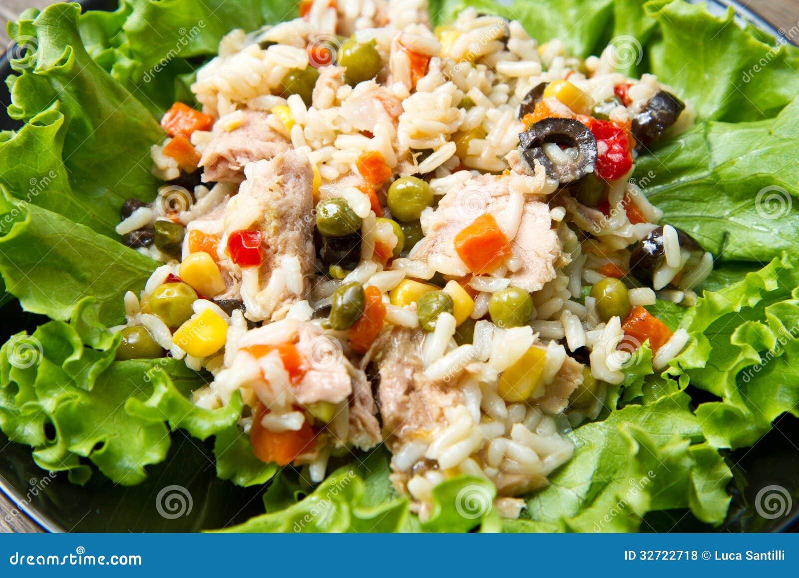 Ensalada de at n con arroz y verduras fotos de archivo - Ensalada de arroz y atun ...