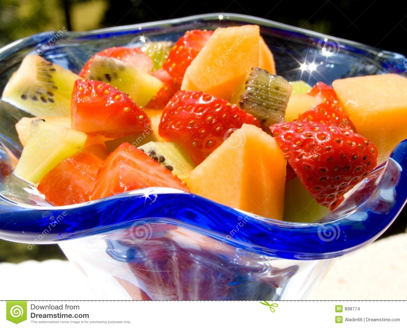 ensalada de fruta fresca imagenes de archivo imagen 898774