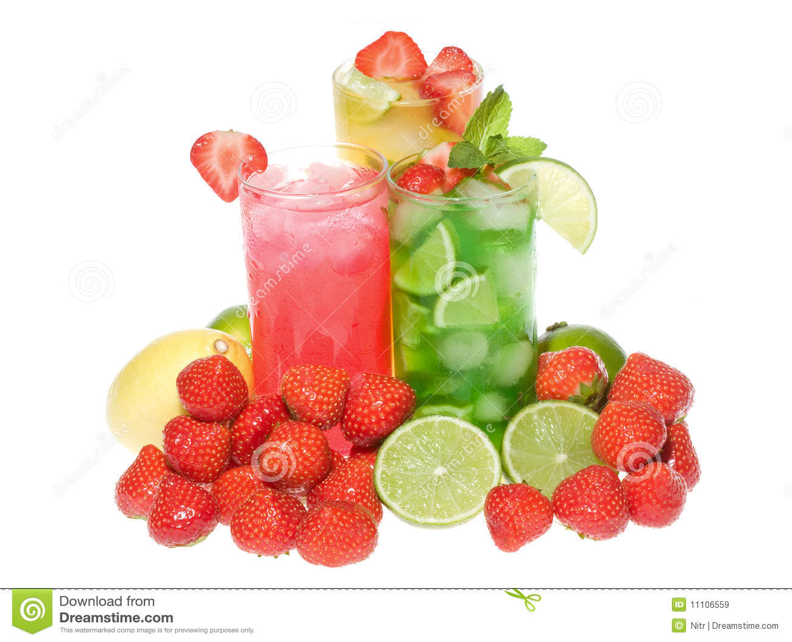 Ensaladas de fruta con la fresa y la menta