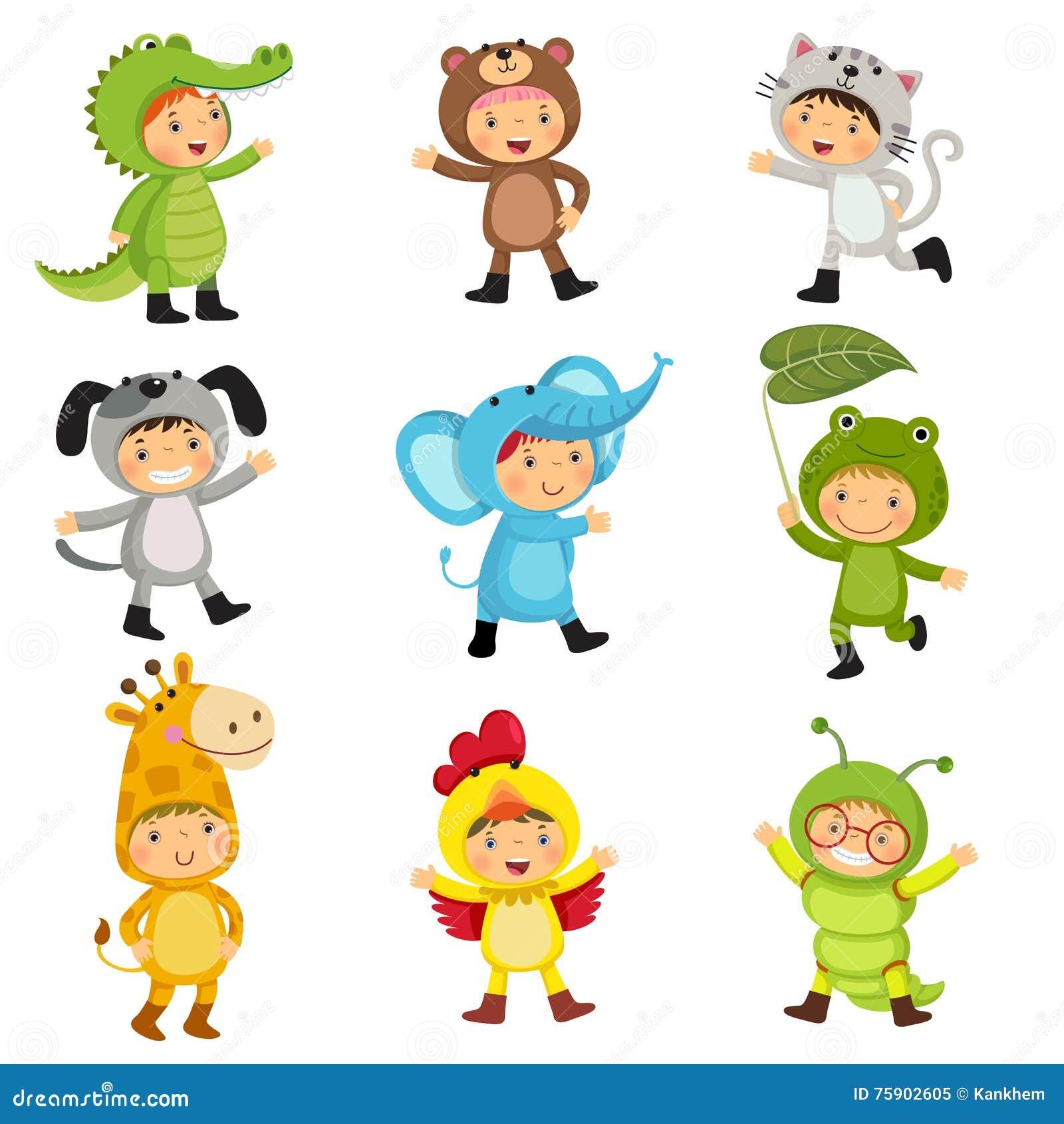 Ensemble d enfants mignons utilisant les costumes animaux Alligator, ours, chat,