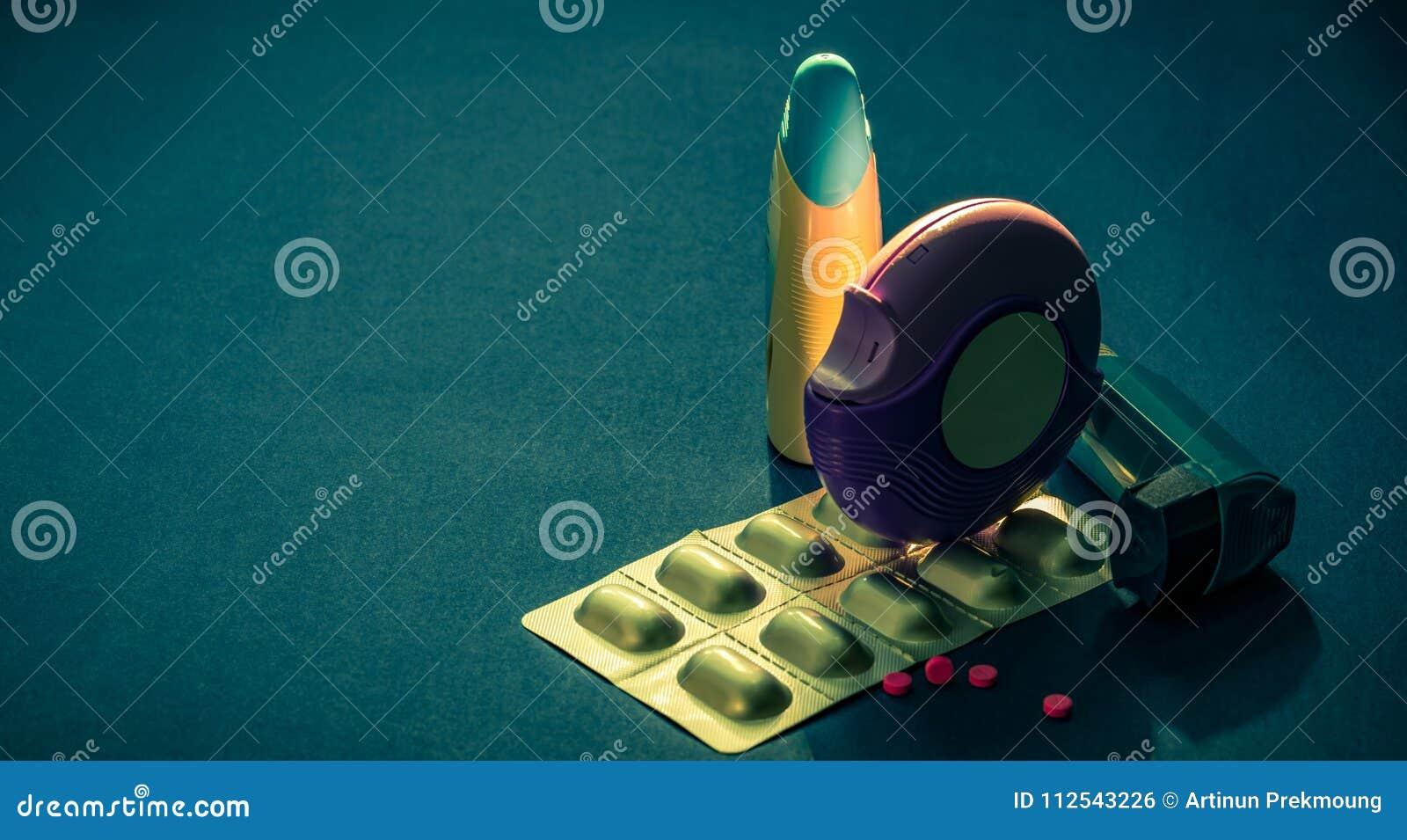 Ensemble d inhalateur d asthme, d accuhaler et de pilules d anti-allergie pour l asthme de traitement Contrôleur d asthme,