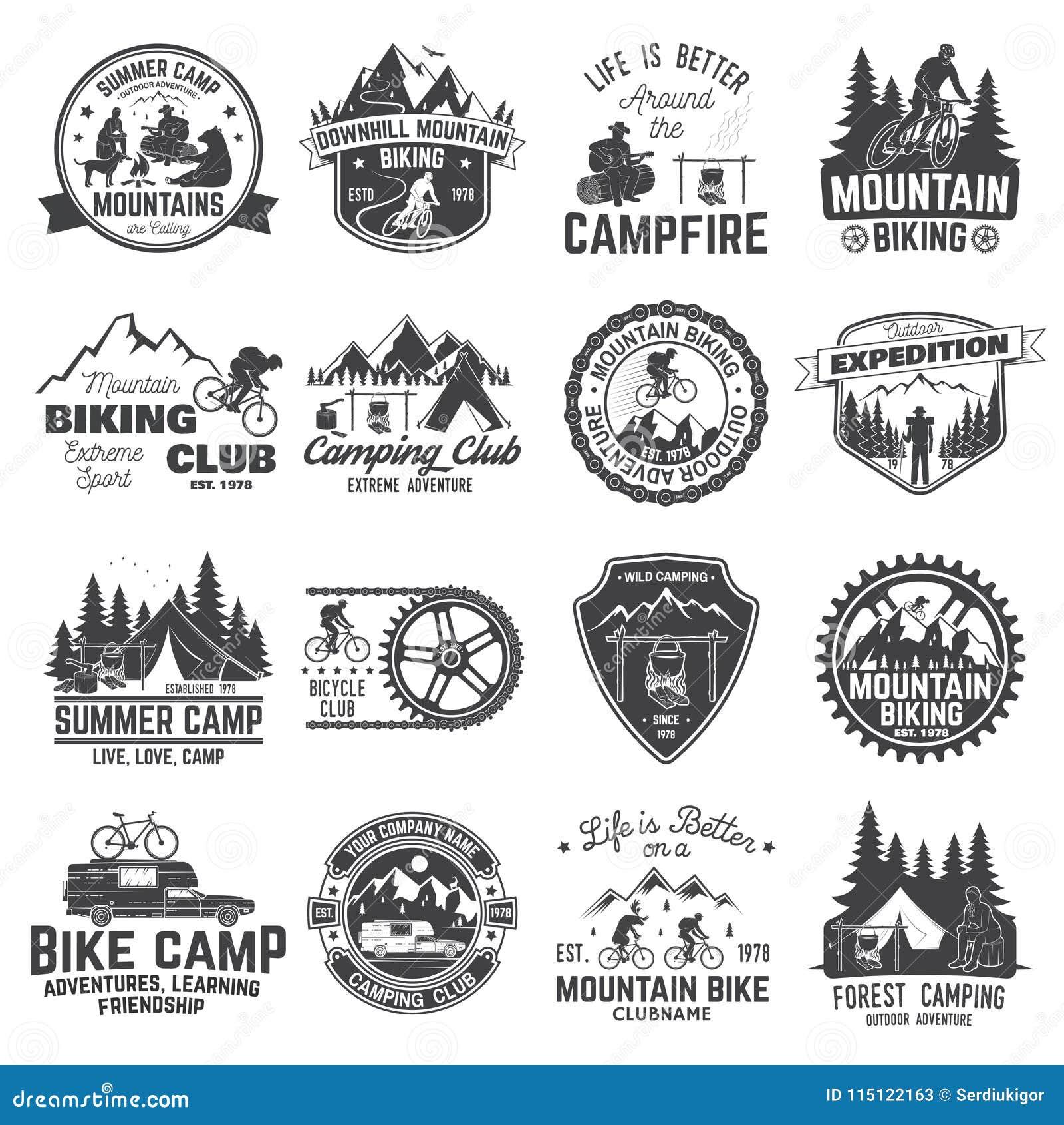 Ensemble d insigne faisant du vélo et campant de montagne de club Vecteur