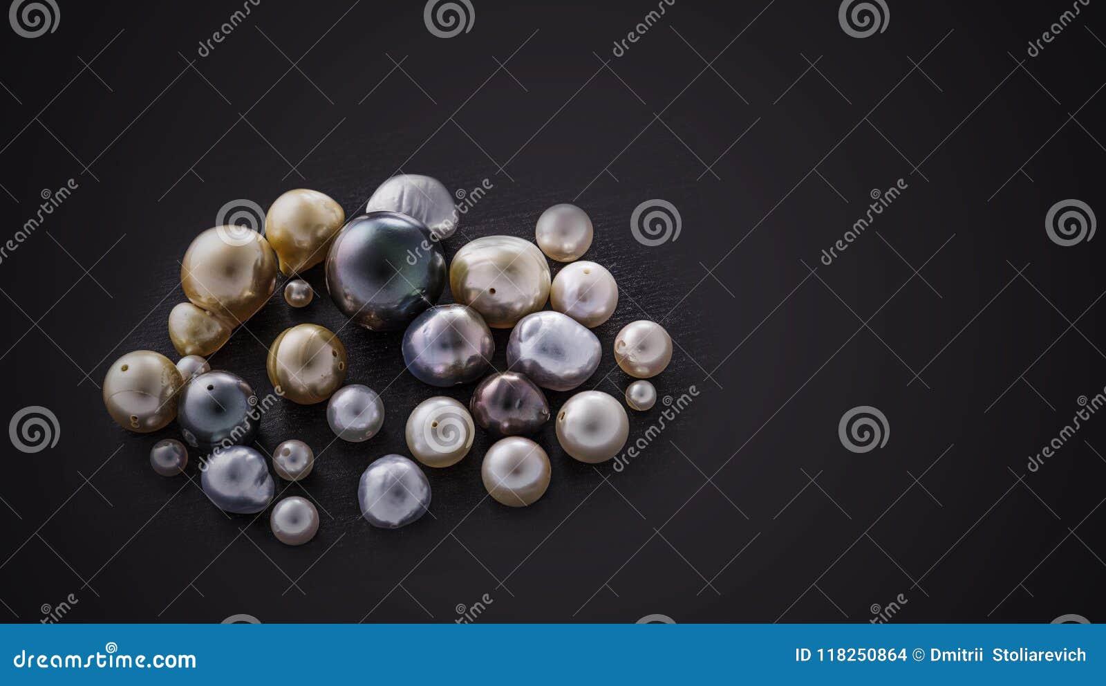 Ensemble de collage de perle sur le fond noir
