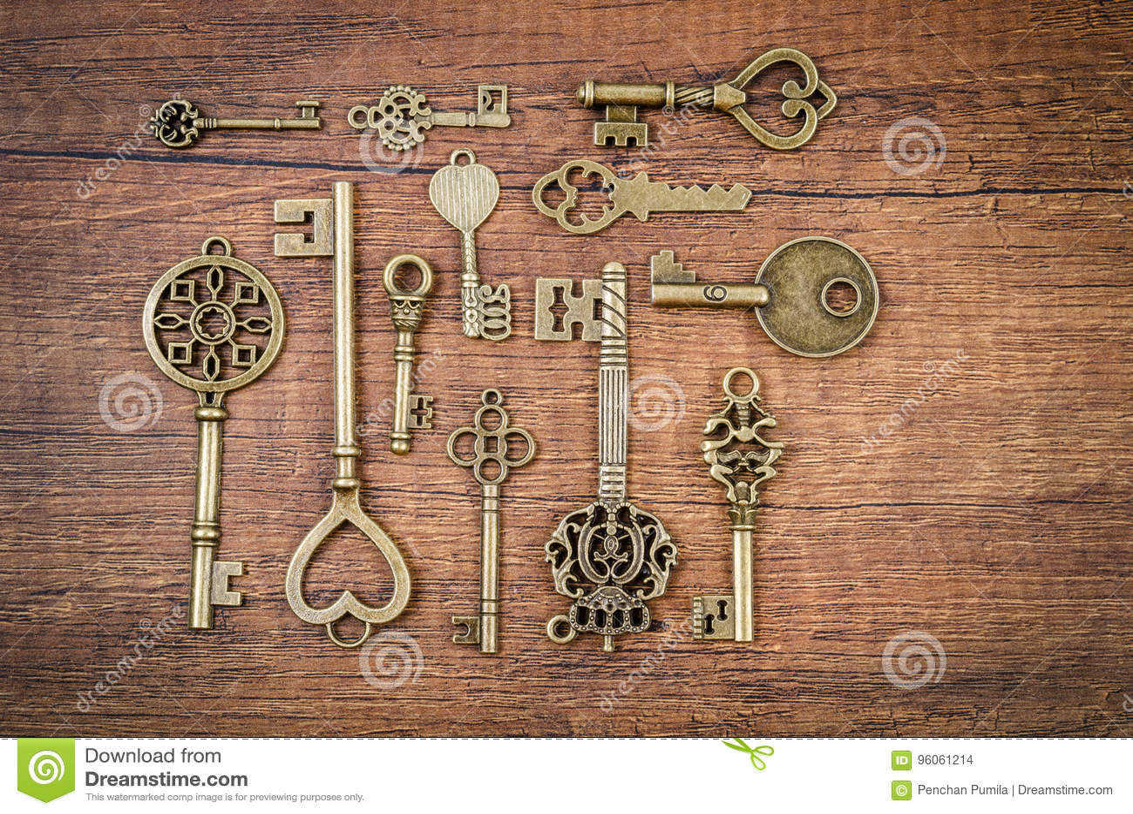 Ensemble de différentes clés de vintage