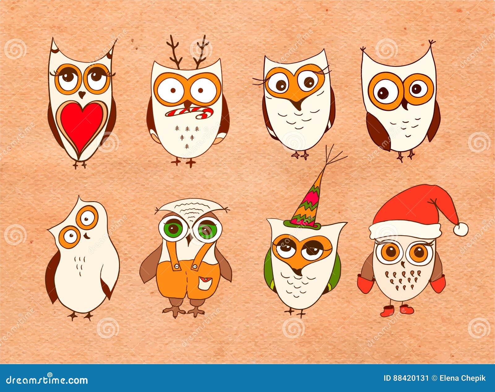 Ensemble de hiboux mignons Dirigez les hiboux de bande dessinée et les oiseaux de jeunes hiboux sur le fond blanc