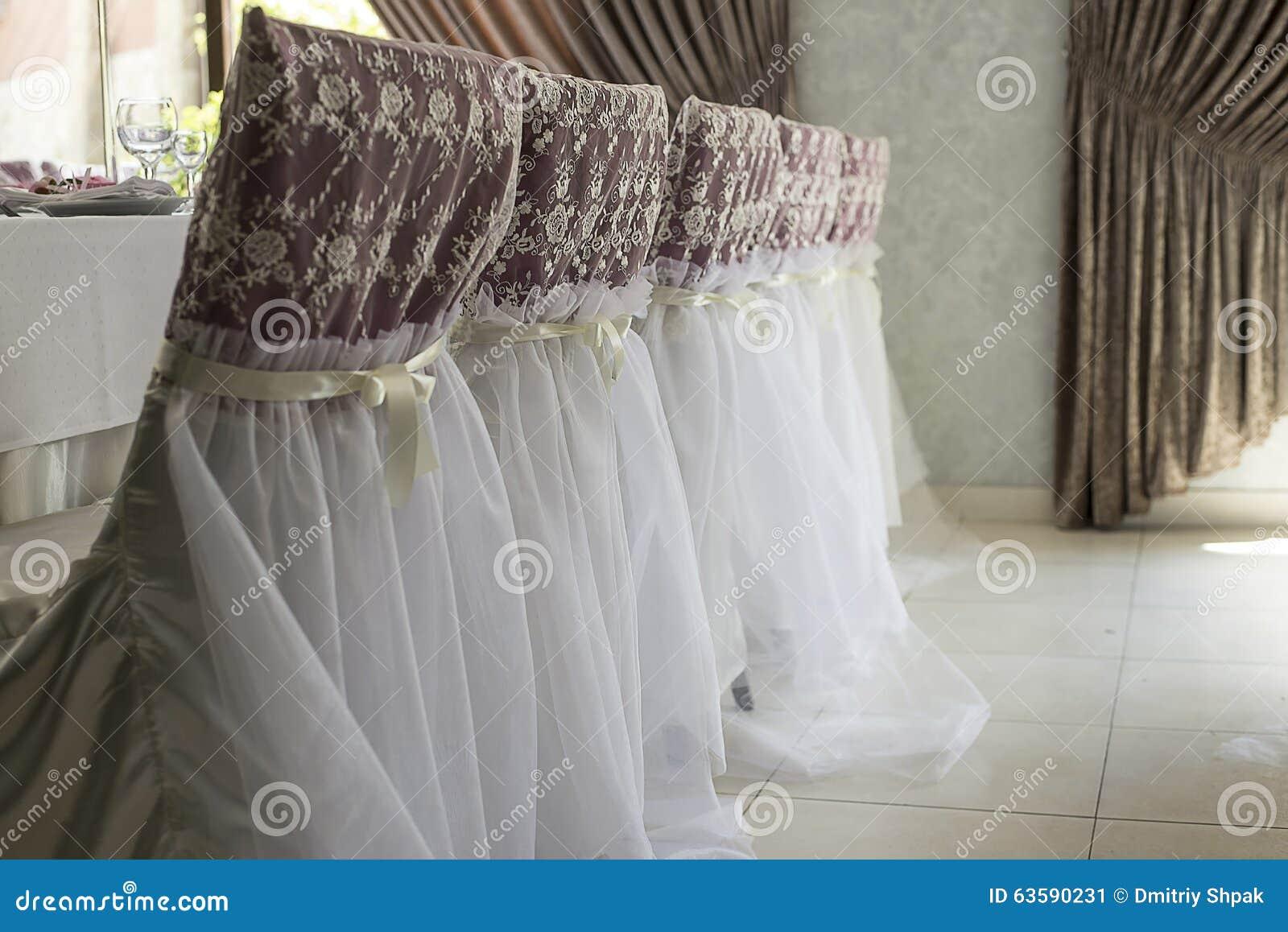 Ensemble de Tableau pour épouser ou un dîner approvisionné différent d événement