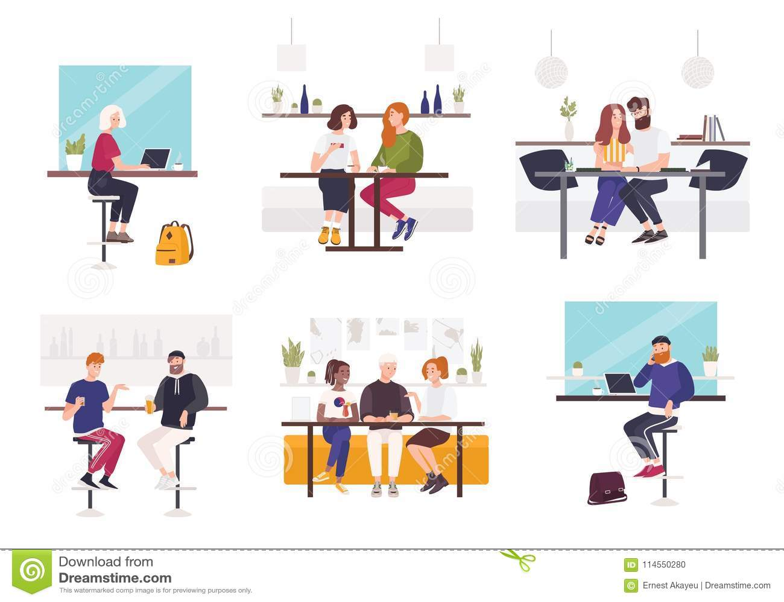Ensemble des hommes et de femmes s asseyant aux tables de café ou de restaurant - travaillant sur l ordinateur portable, parlant