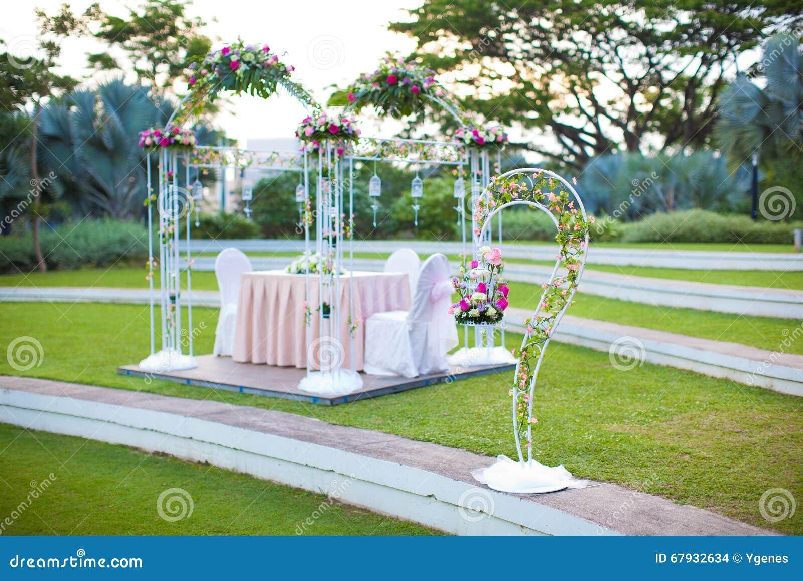 Entibaci n de la boda decoraci n al aire libre del estilo for Decoracion de jardin al aire libre