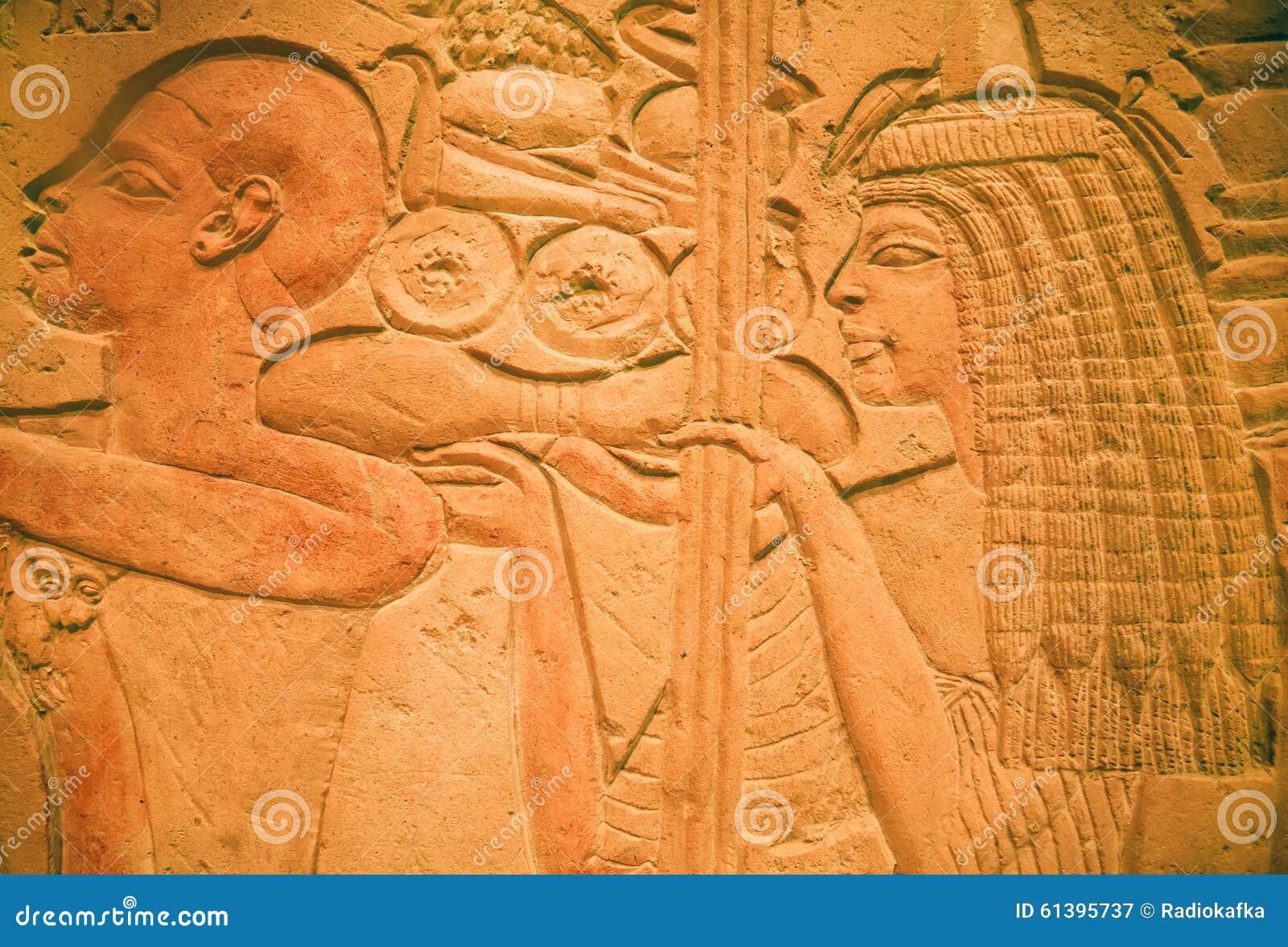 Entlastung des Steinartefakts innerhalb des ägyptischen Museums