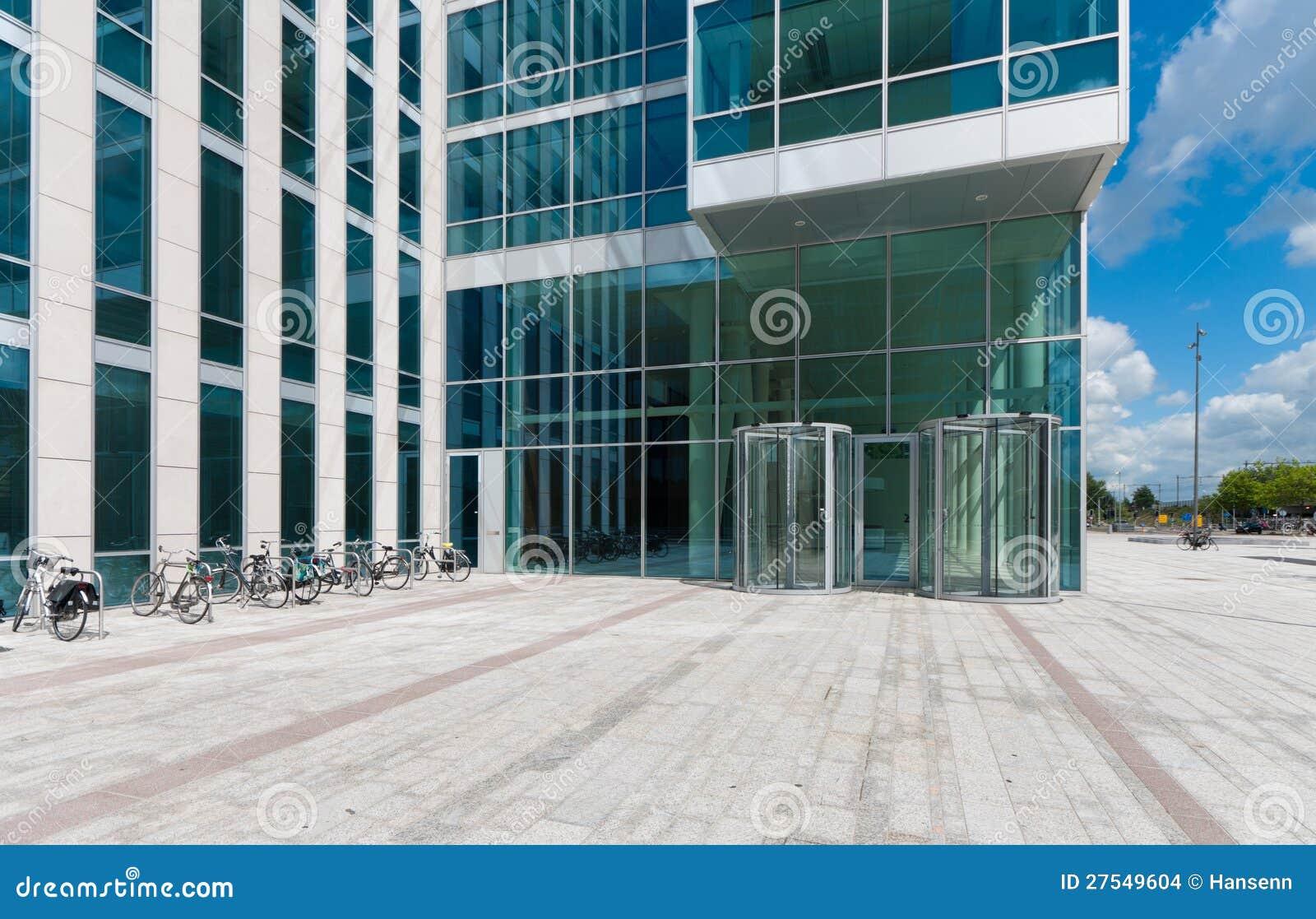 Entrée d un immeuble de bureaux photo stock image du trame
