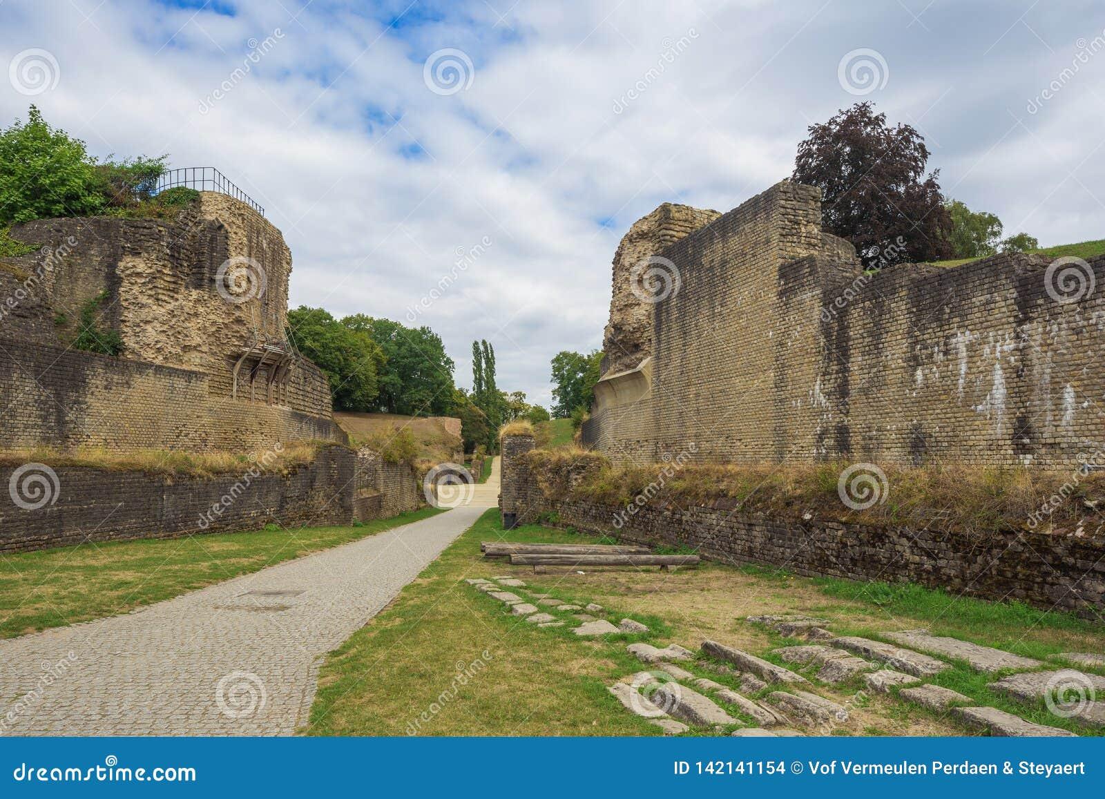 Entrée dans de l amphithéâtre romain