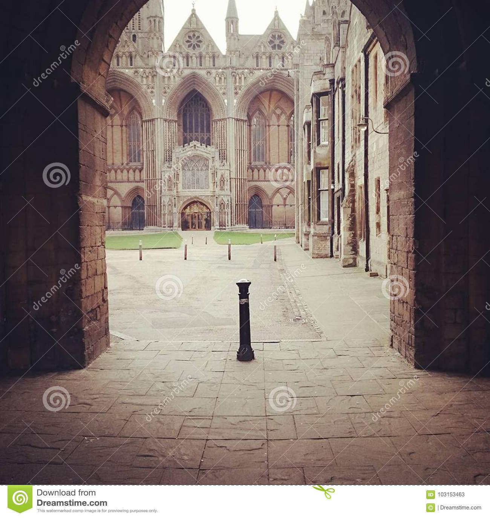 Entrée de cathédrale de Peterborough