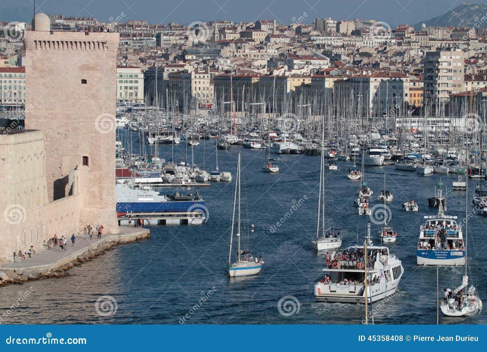 Entrée de Vieux-port de Marseille