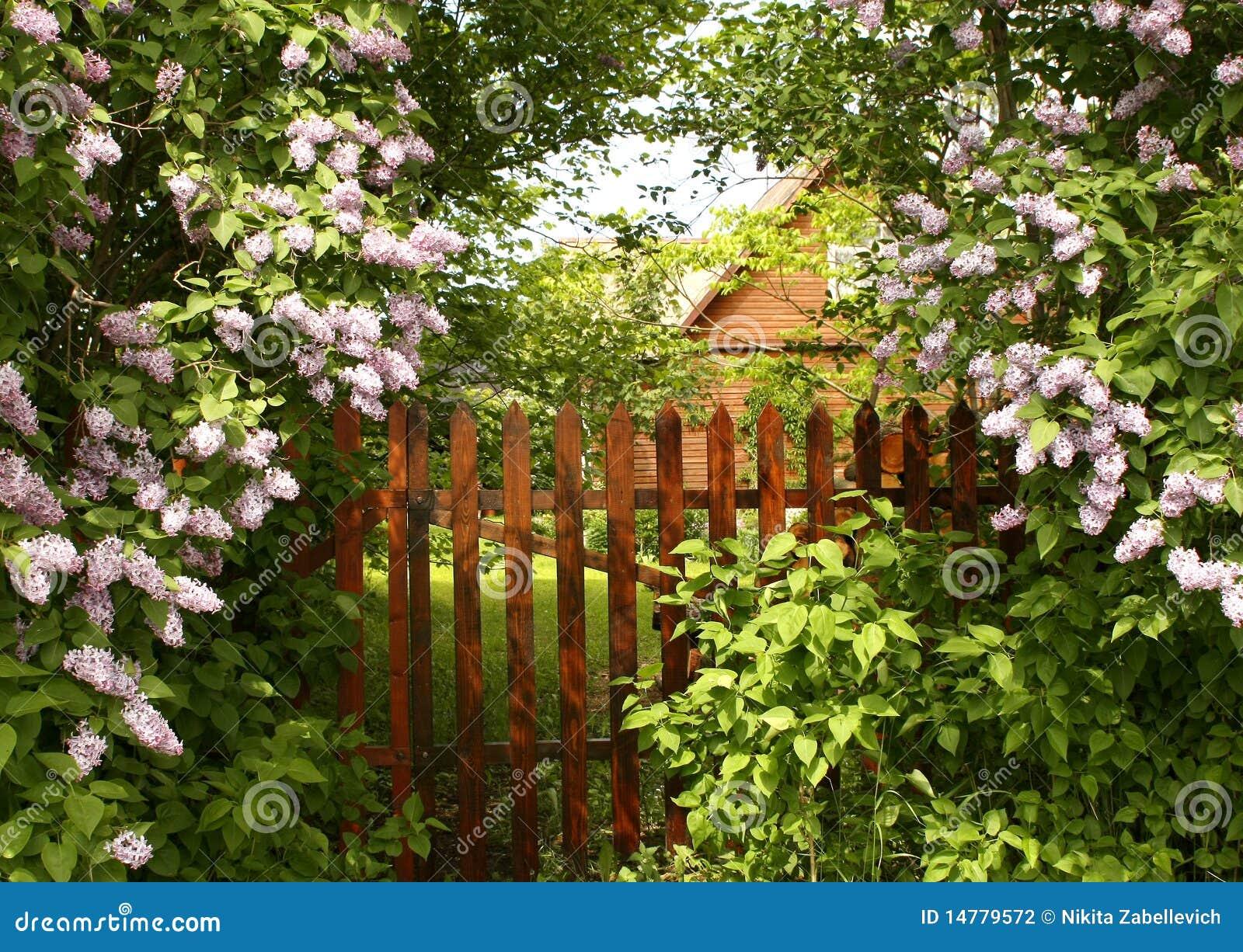 Entrée secrète au jardin