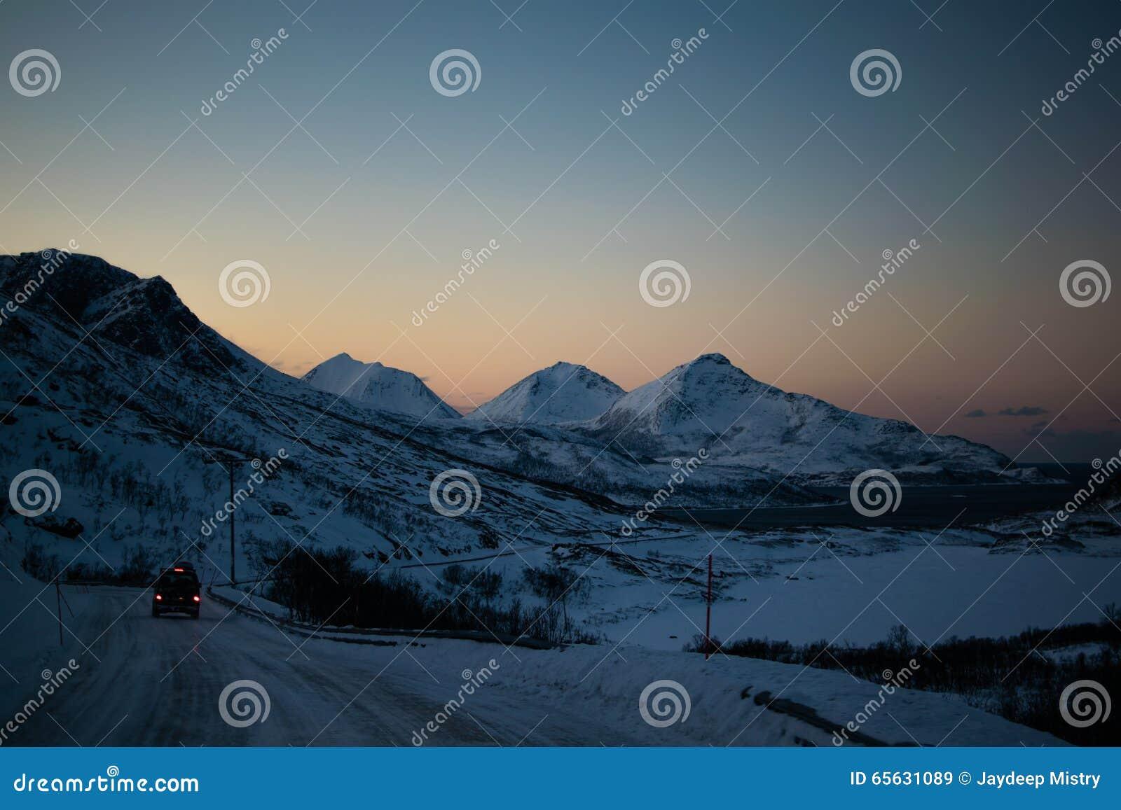 Entraînement par des montagnes d Ersfjordbotn