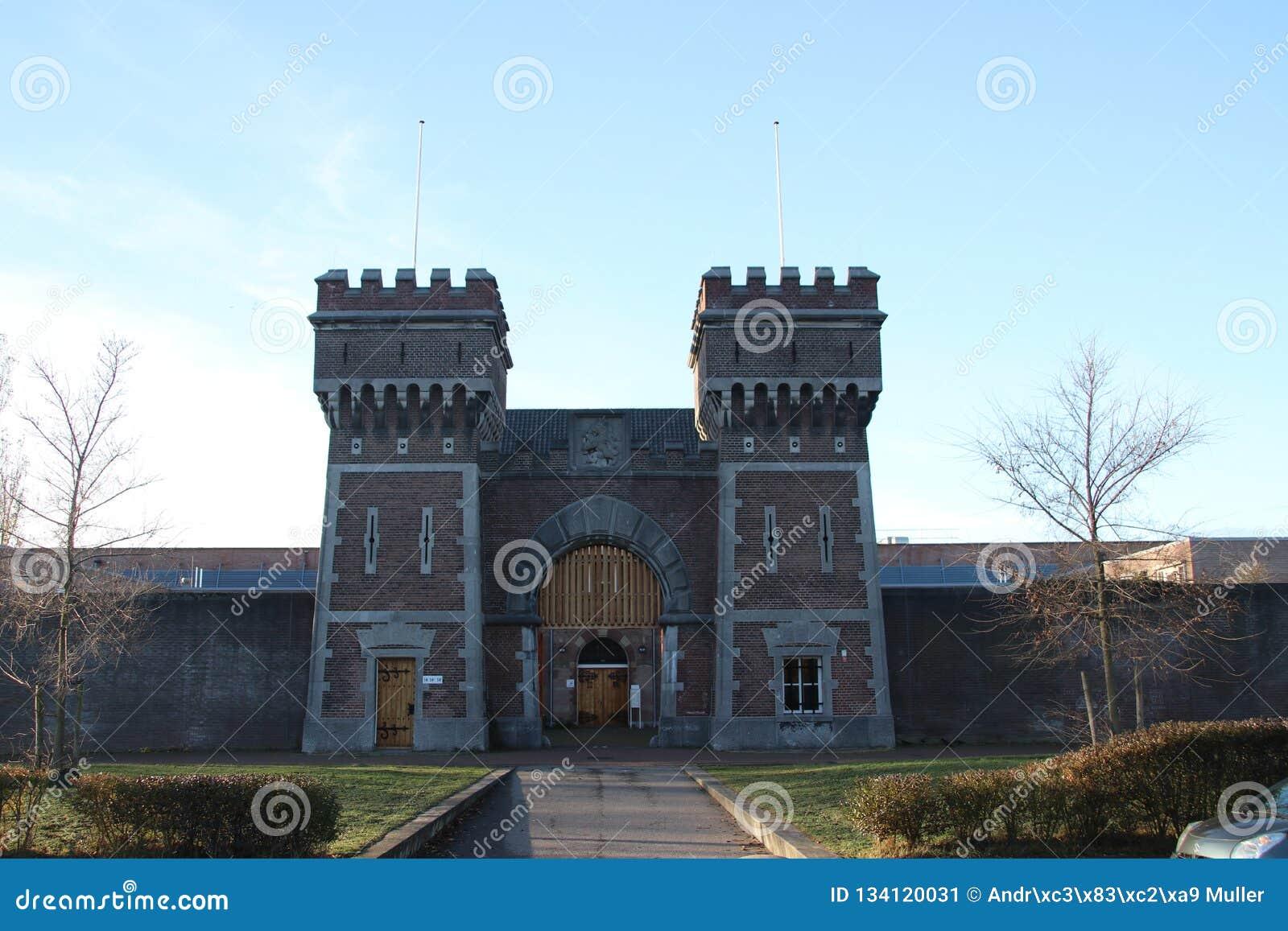 Entrada Anterior De La Cárcel De Scheveningen Que Se Utiliza