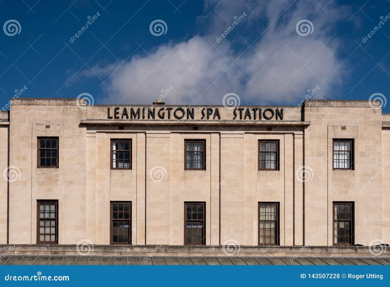 Entrada da estação dos termas de Leamington