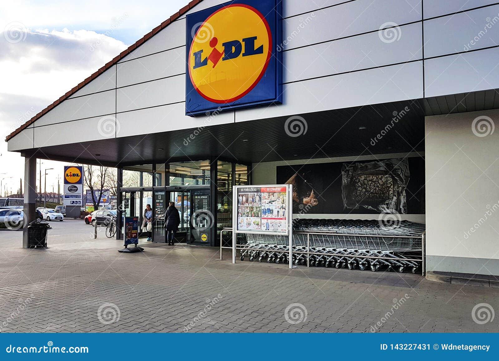 Entrada da loja de Lidl