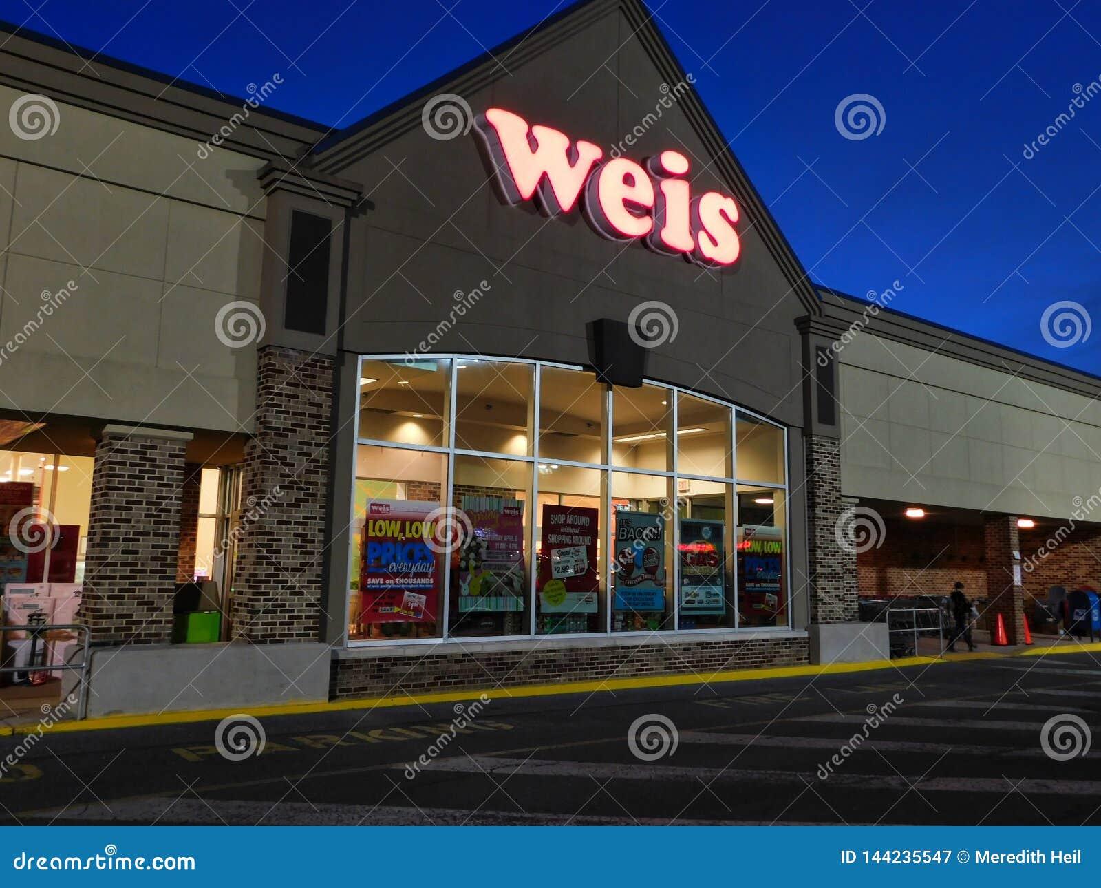 Entrada delantera de los mercados de Weis