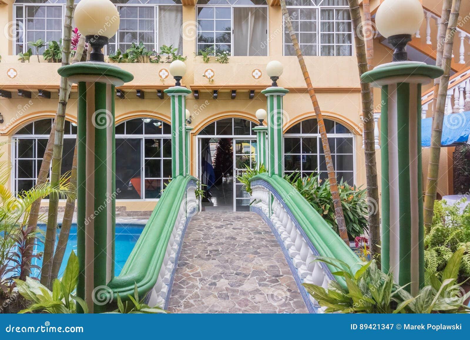 Entrada do hotel no EL Paraiso, Honduras