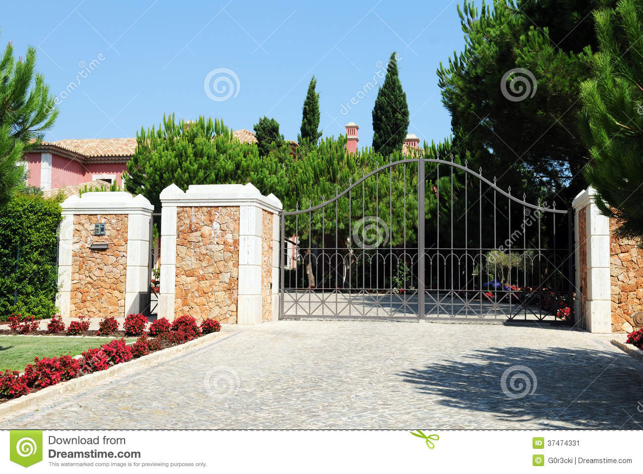 Entrance Gate From A Luxurious Property Stock Image Image 37474331