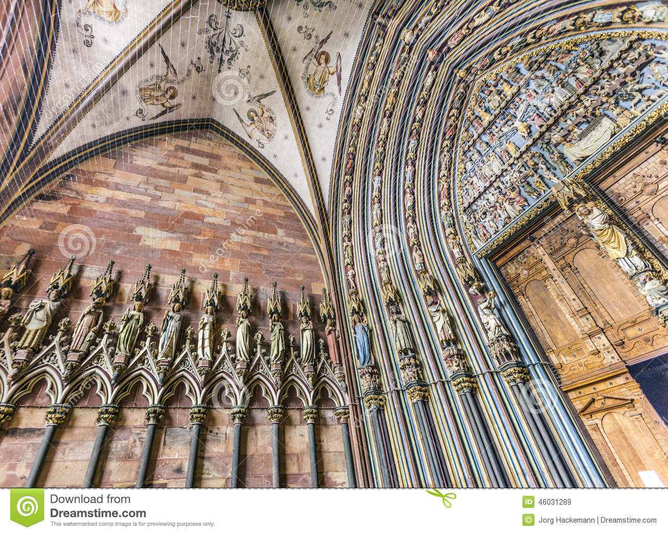 Entrance hall of the freiburg minster for Interior design freiburg