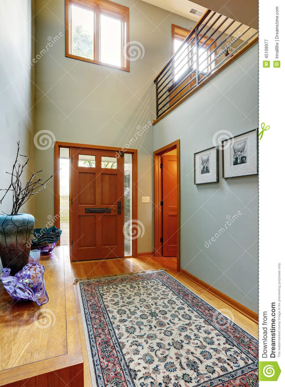 Entrance hallway in modern house stock photo image 45108977 - Interiores de casa modernas ...