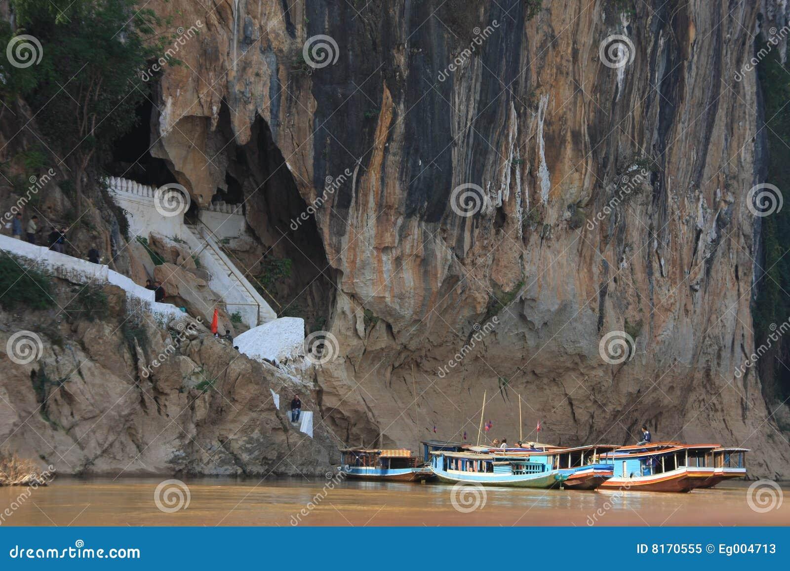 Entrance of Pak Ou Caves