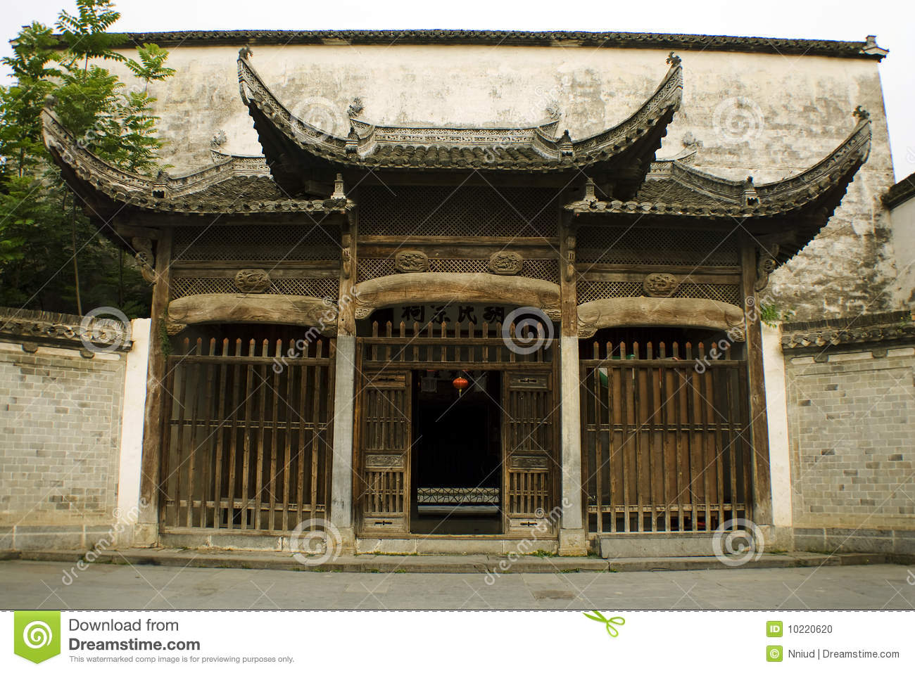 Entrance to a classic noble house in xidi china stock photo image 10220620 - Houses bucovina traditional architecture ...