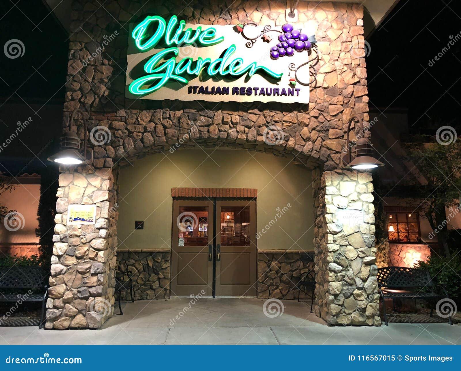 Olive Garden editorial image. Image of beverage, green - 116567015