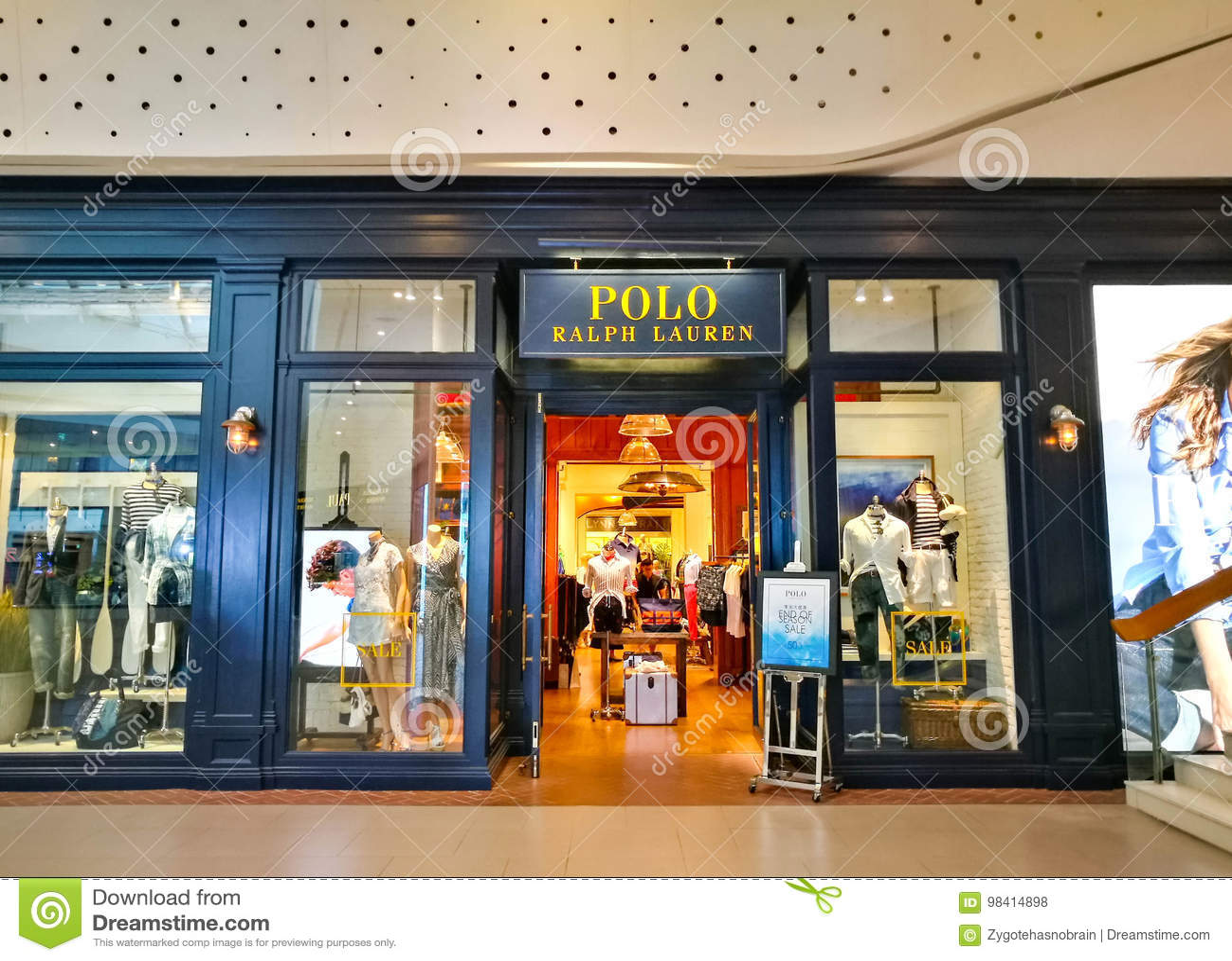 prezzo scontato vendita professionale qualità perfetta Entrance To A Polo Ralph Lauren Shop Editorial Stock Photo - Image ...