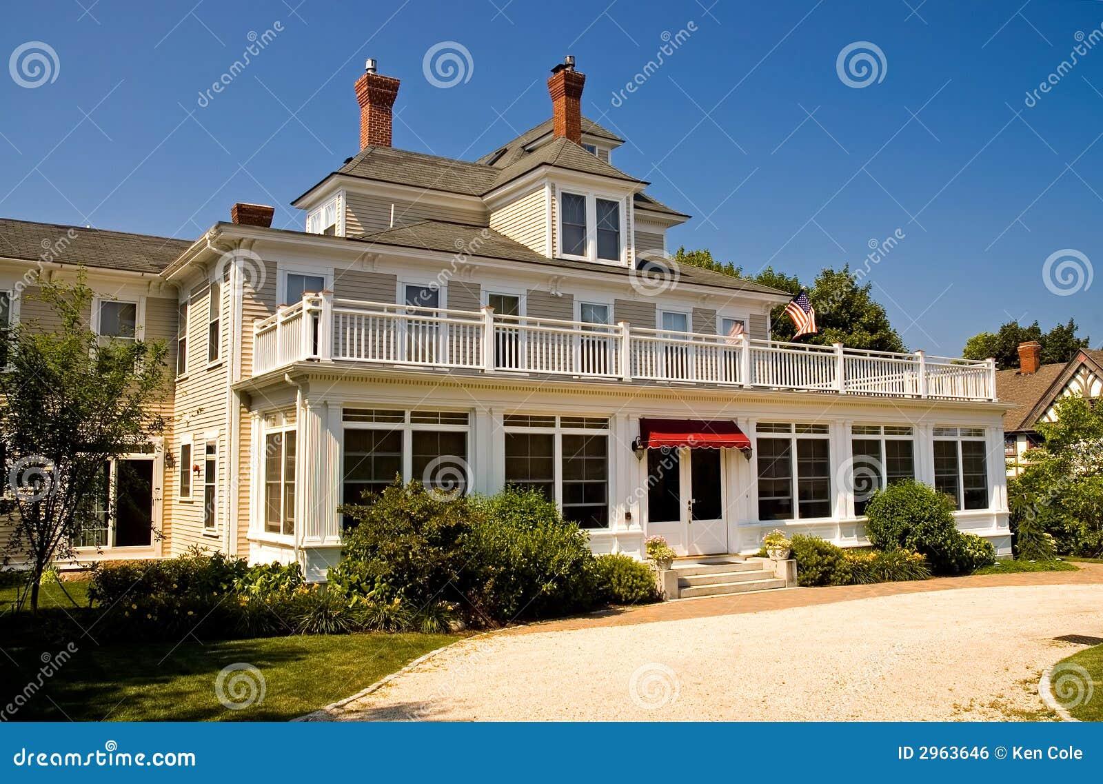 Entrance to resort inn