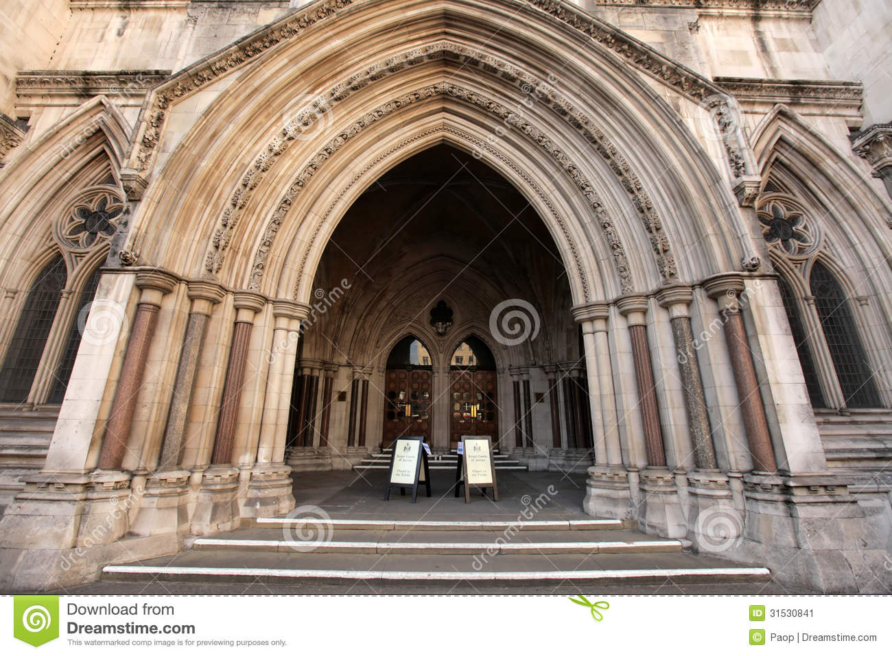 Entrance to the Royal Court of Justice