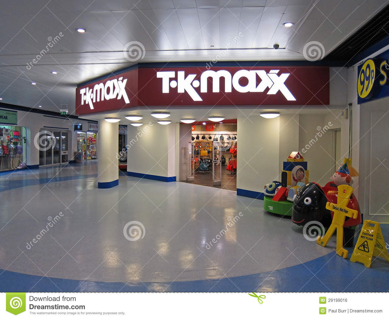 Entrance To A TK Max Store. Editorial Photo