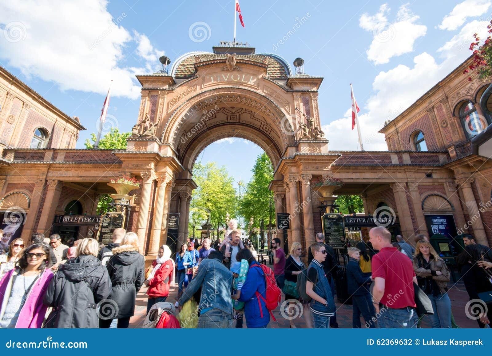 Copenaghen dæmonen montagne russe al parco divertimenti giardini
