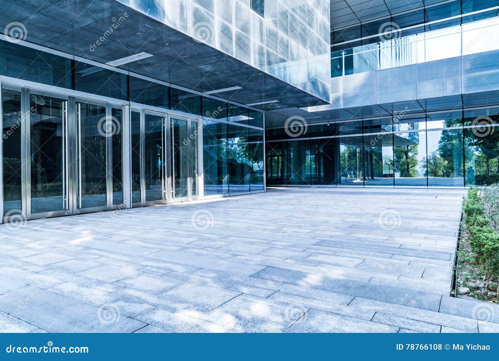 Entrata dell edificio per uffici moderno