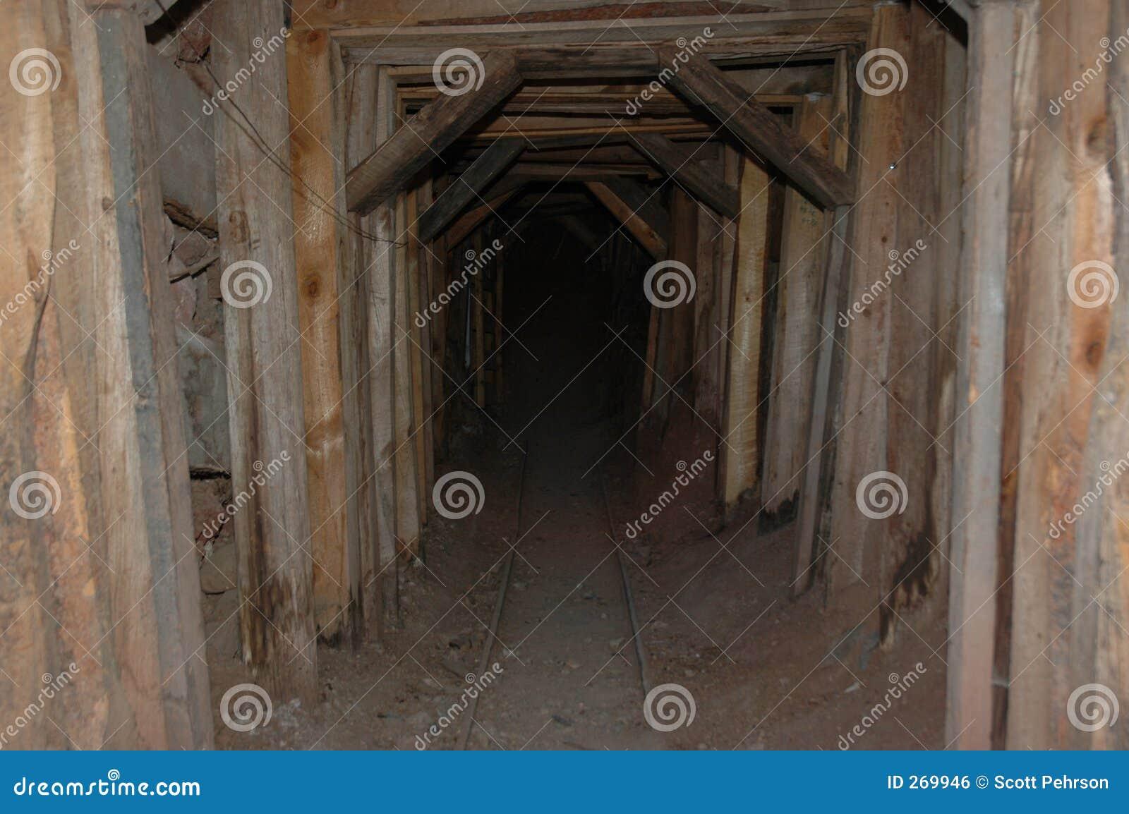 Entrata della miniera della città fantasma dell Arizona