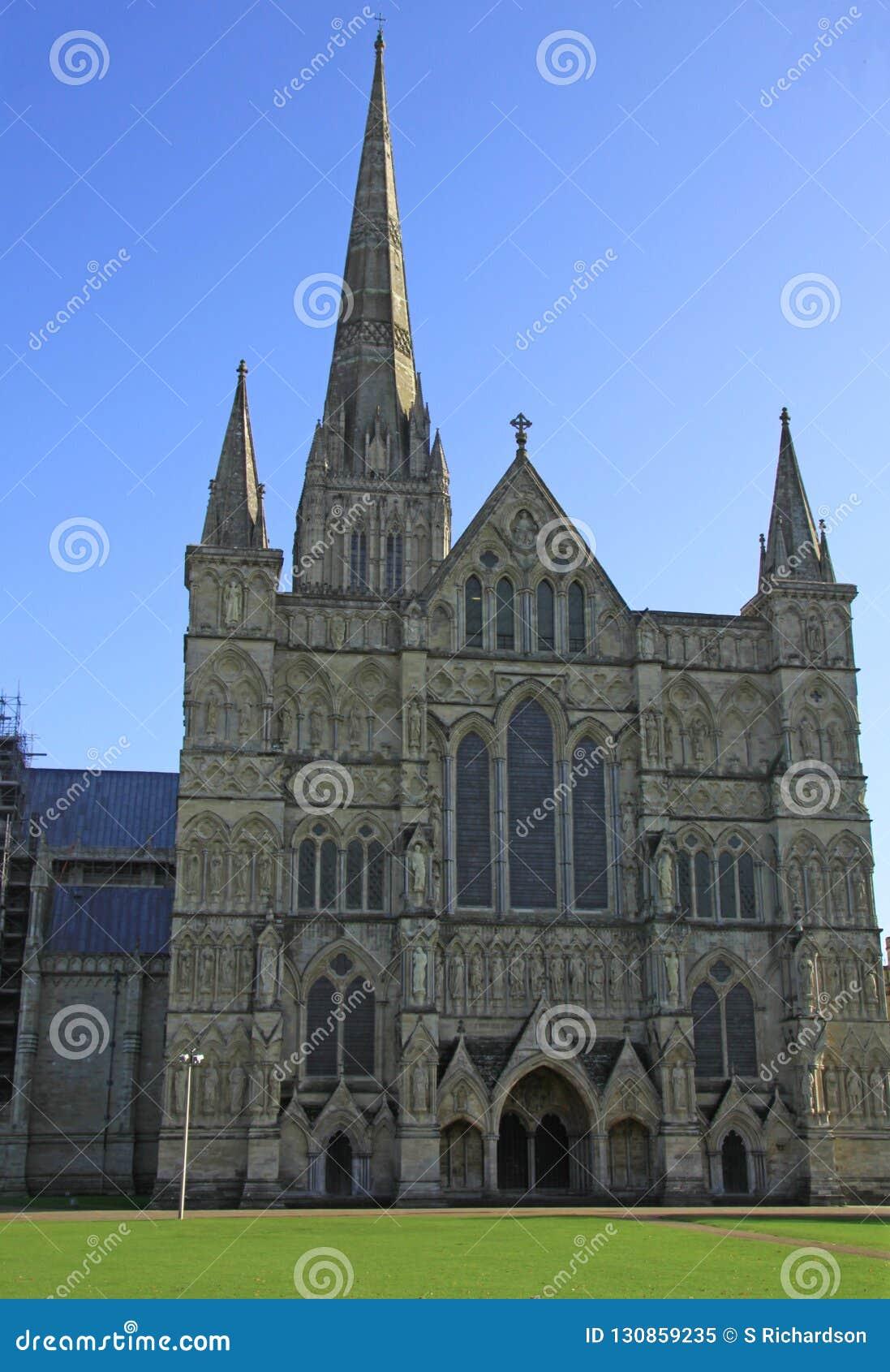 Entrata principale alla cattedrale di Salisbury