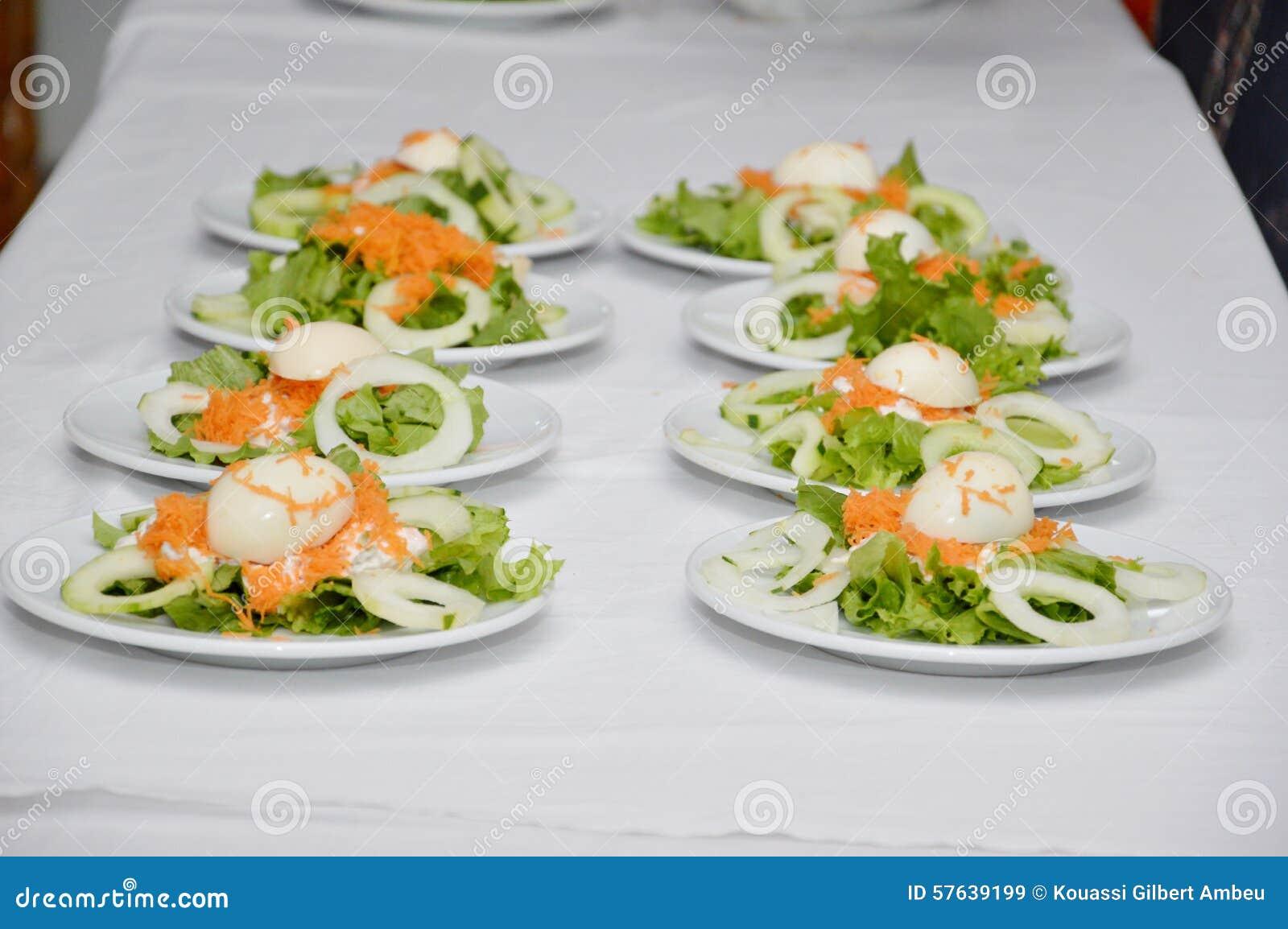 Entr e de repas photo stock image 57639199 for Repas entre amoureux maison