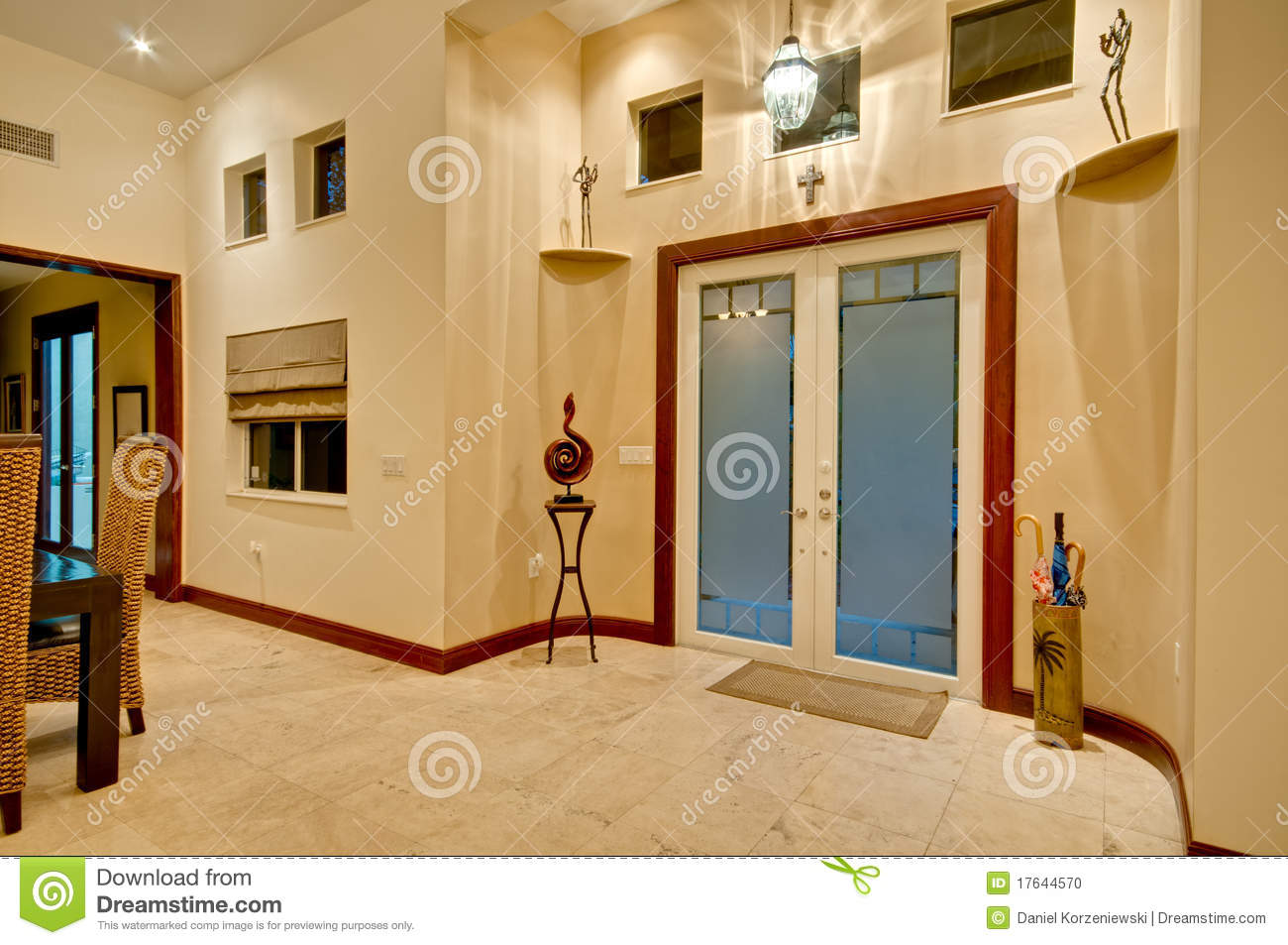 Entr e la maison moderne photo stock image 17644570 for Entree d une maison