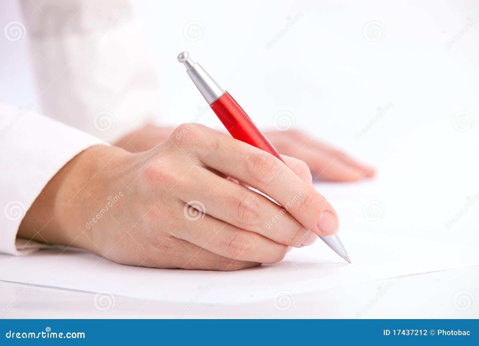 Entregue a escrita com pena de ballpoint