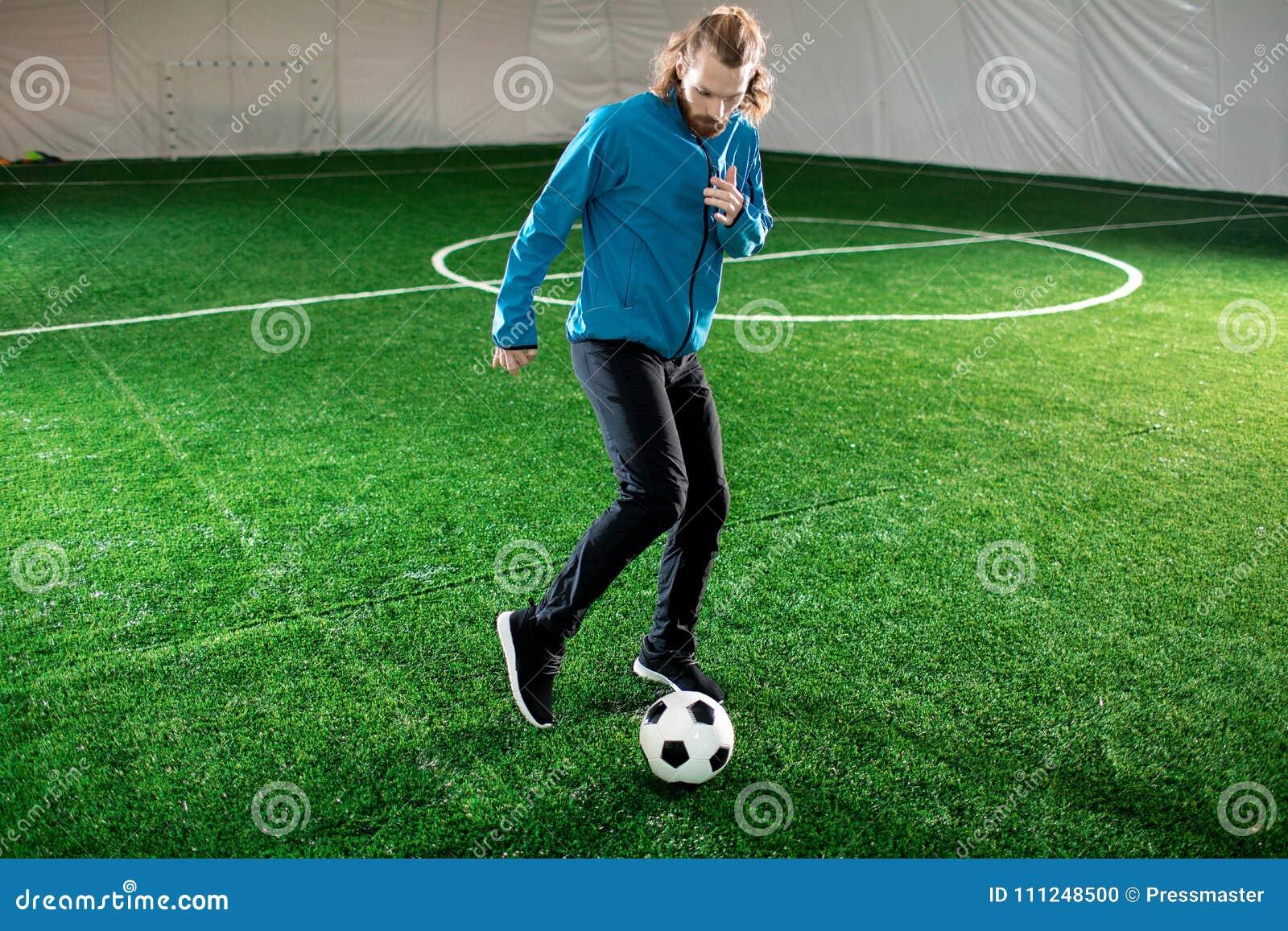 Entrenamiento con el balón de fútbol