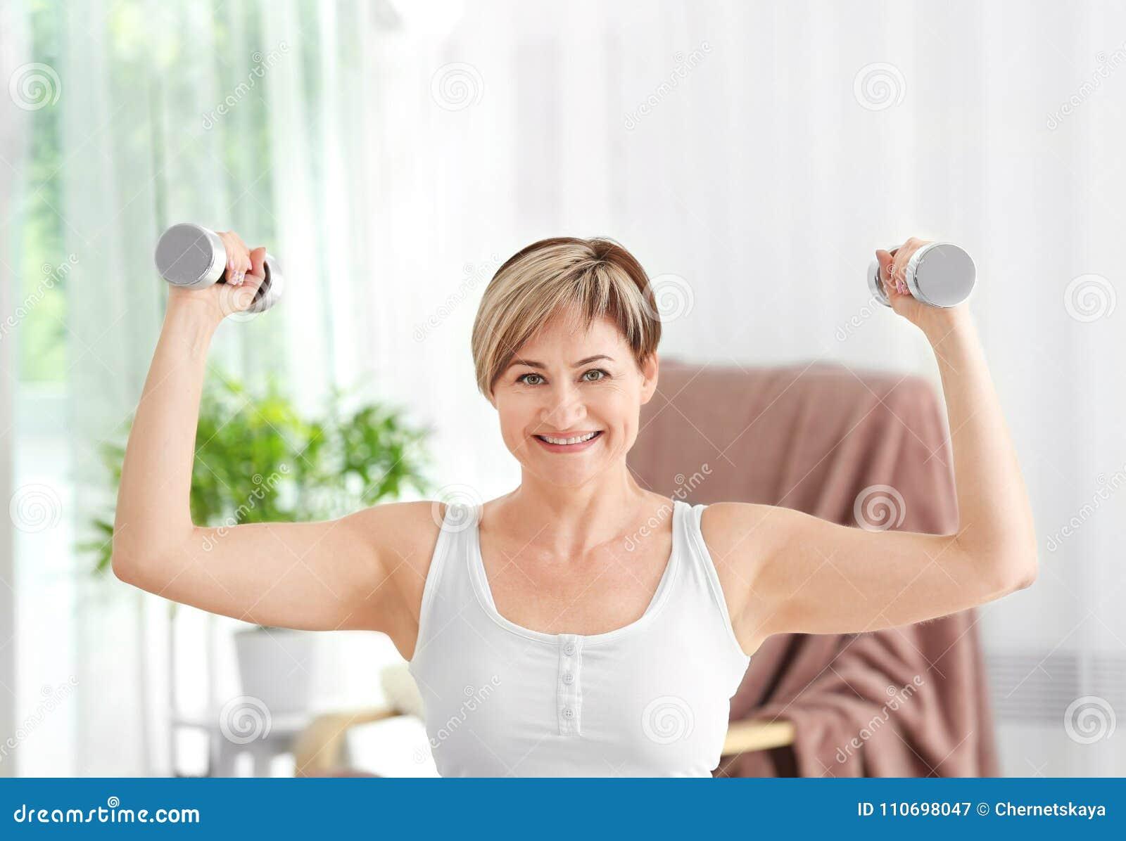 Entrenar pesas en casa