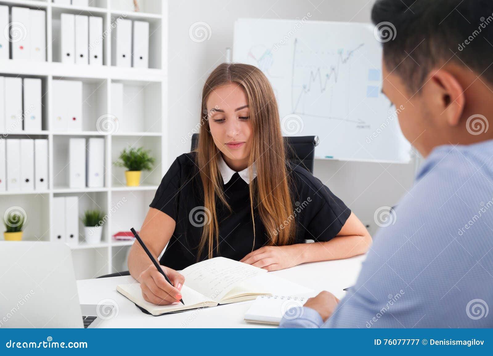 Entrevue d emploi à la société