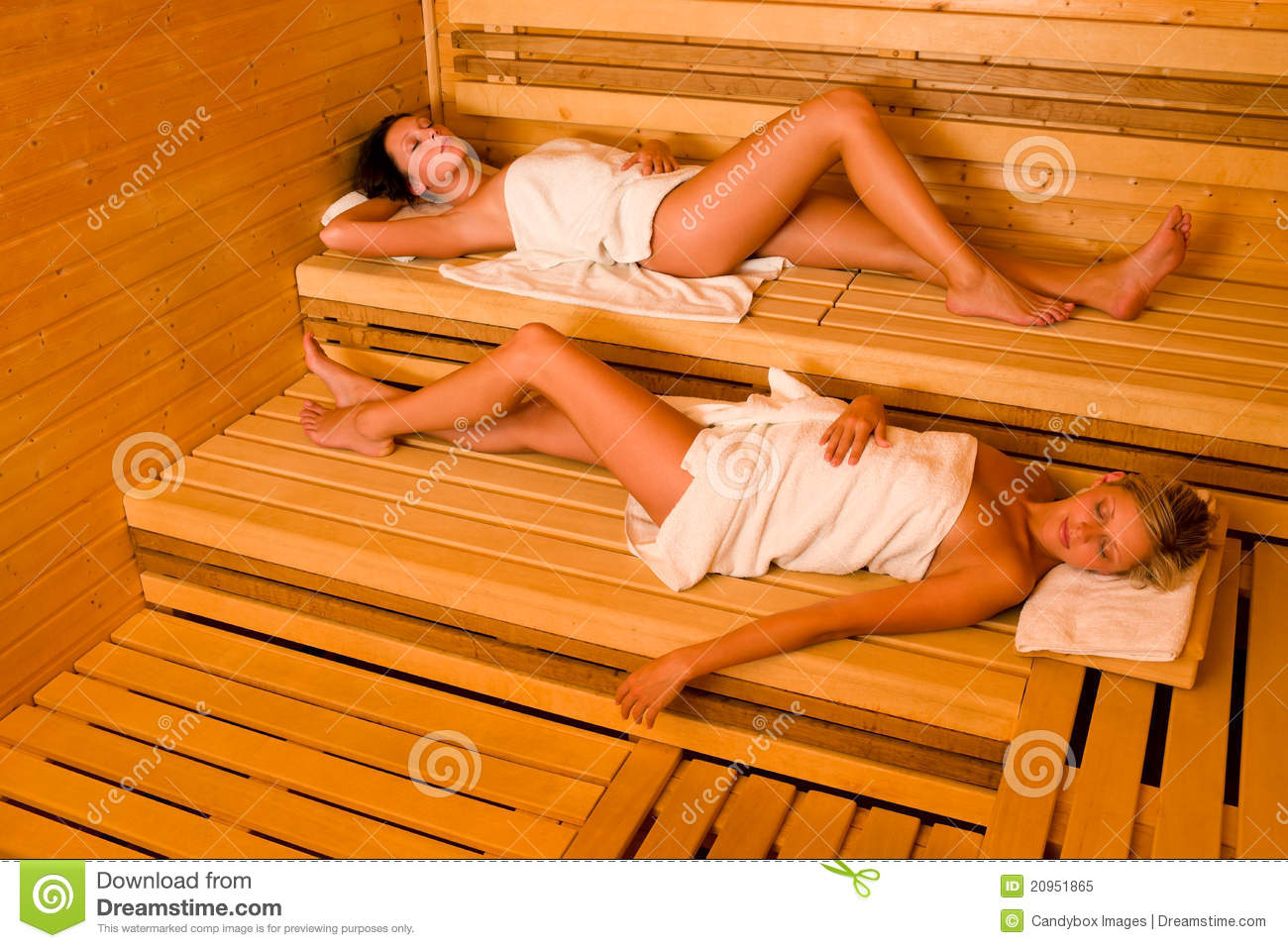 zwei frauen der sauna stock photos 364 images. Black Bedroom Furniture Sets. Home Design Ideas
