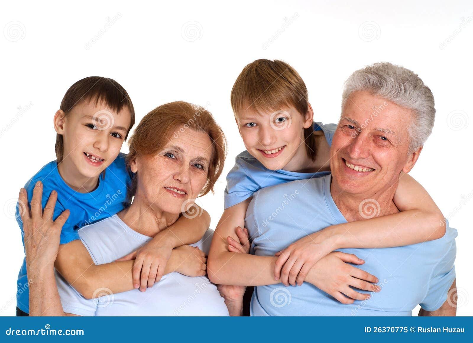 Entzückende Familie, die eine gute Freizeit hat